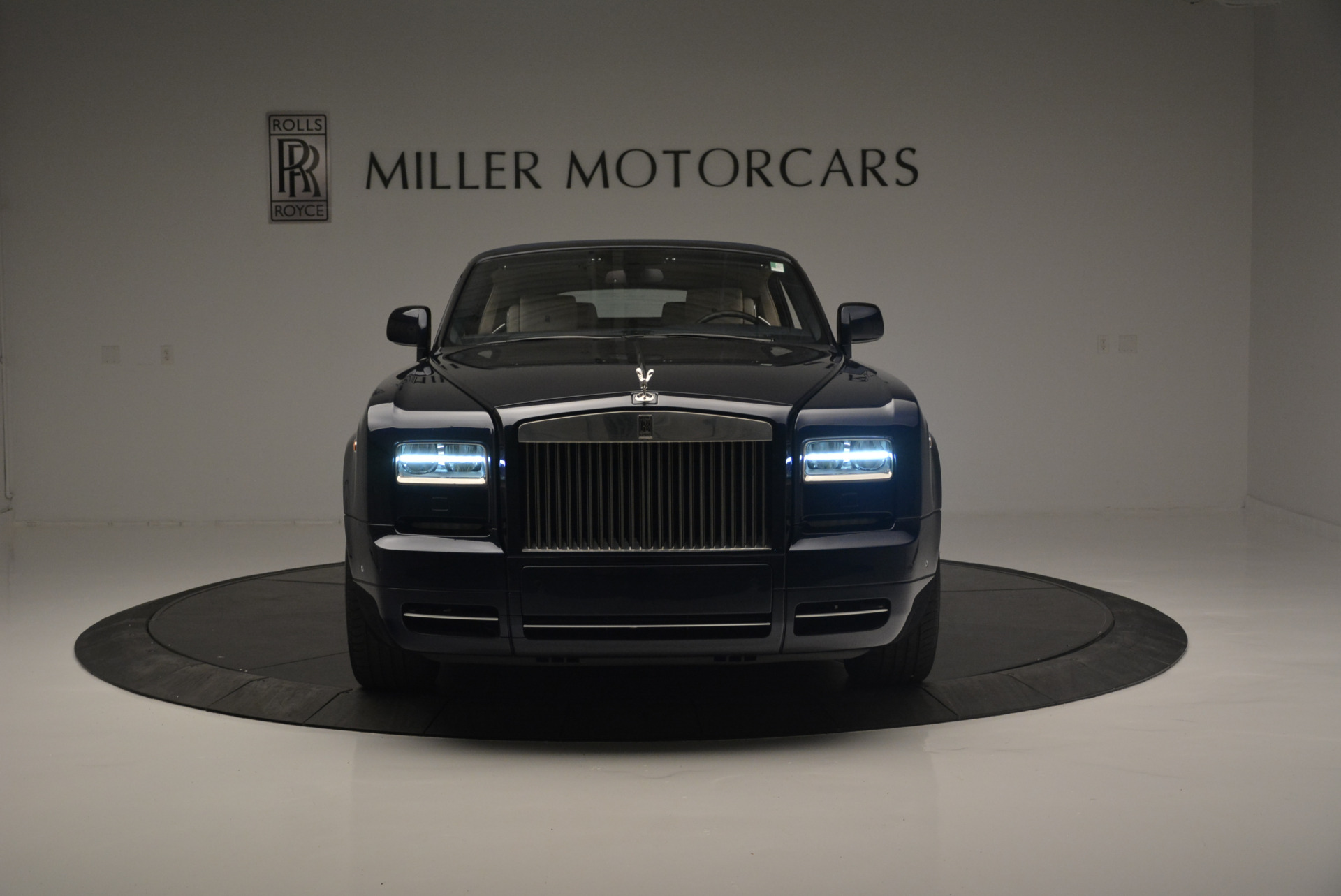 Used 2014 Rolls-Royce Phantom Drophead Coupe  For Sale In Westport, CT 2356_p16