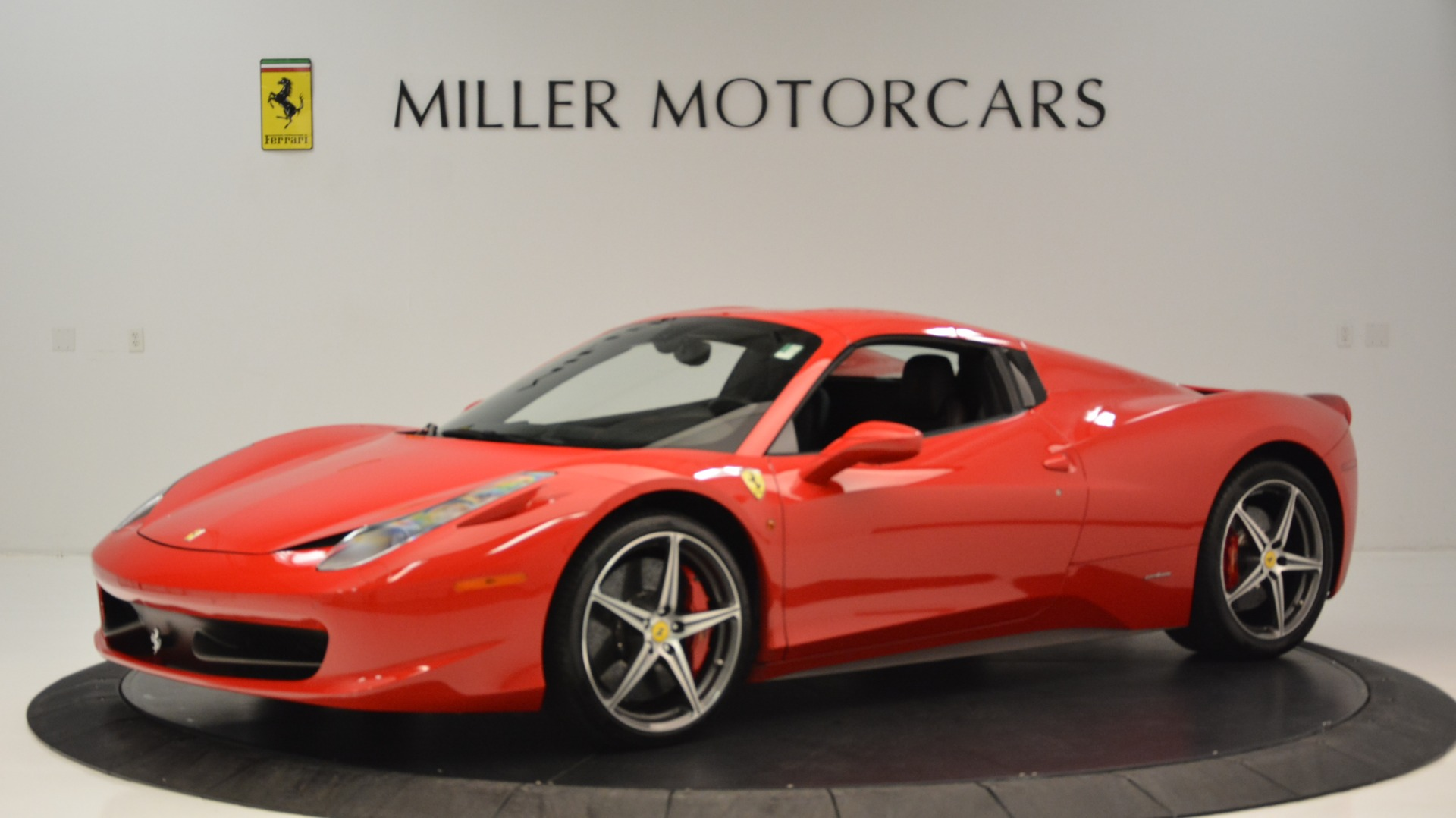 Used 2015 Ferrari 458 Spider  For Sale In Westport, CT 2369_p15