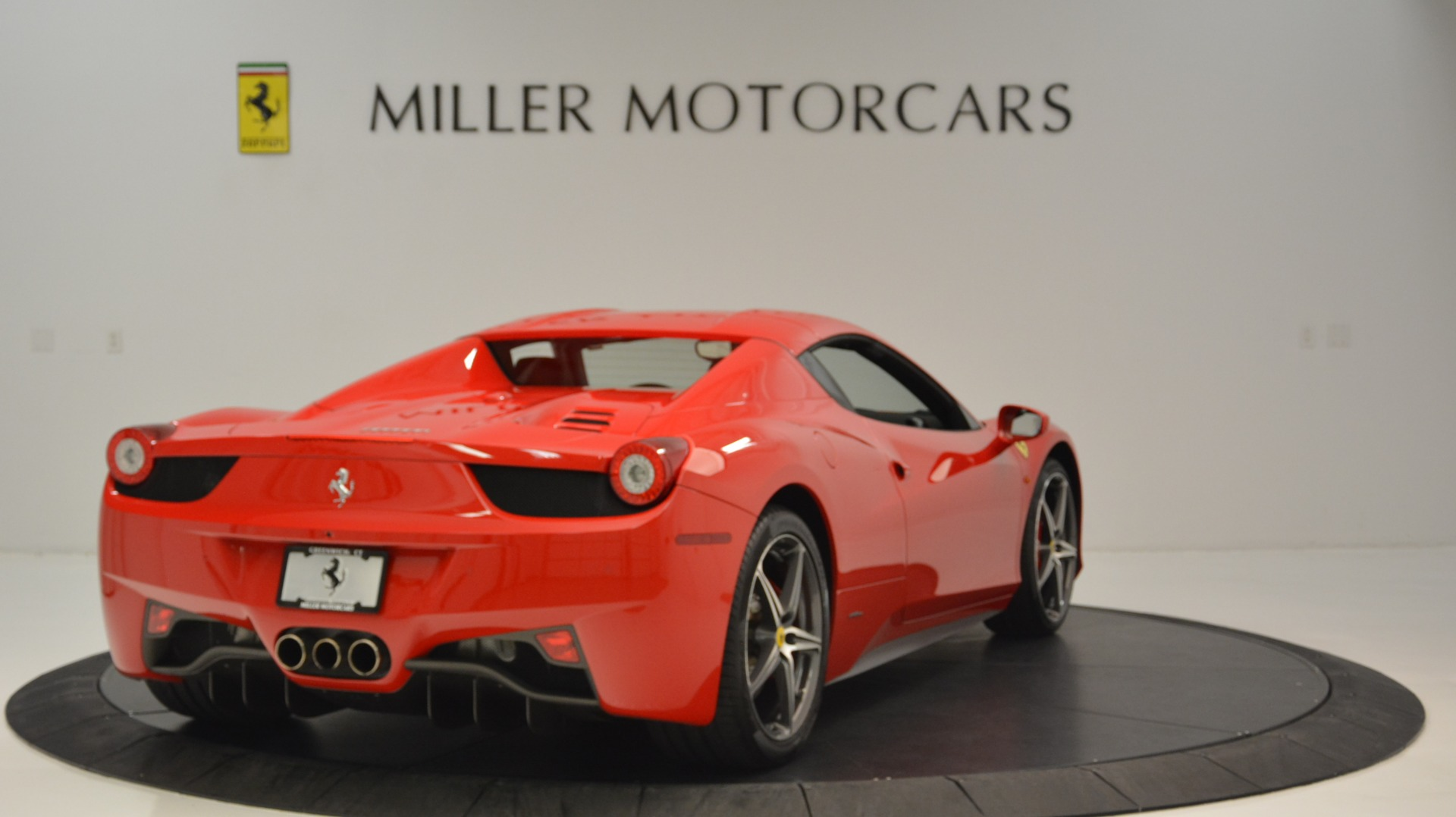 Used 2015 Ferrari 458 Spider  For Sale In Westport, CT 2369_p20