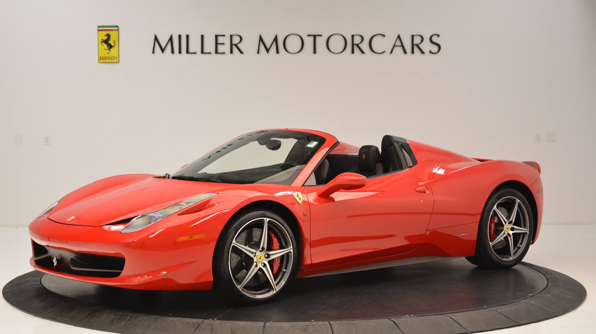 Used 2015 Ferrari 458 Spider  For Sale In Westport, CT 2369_p2