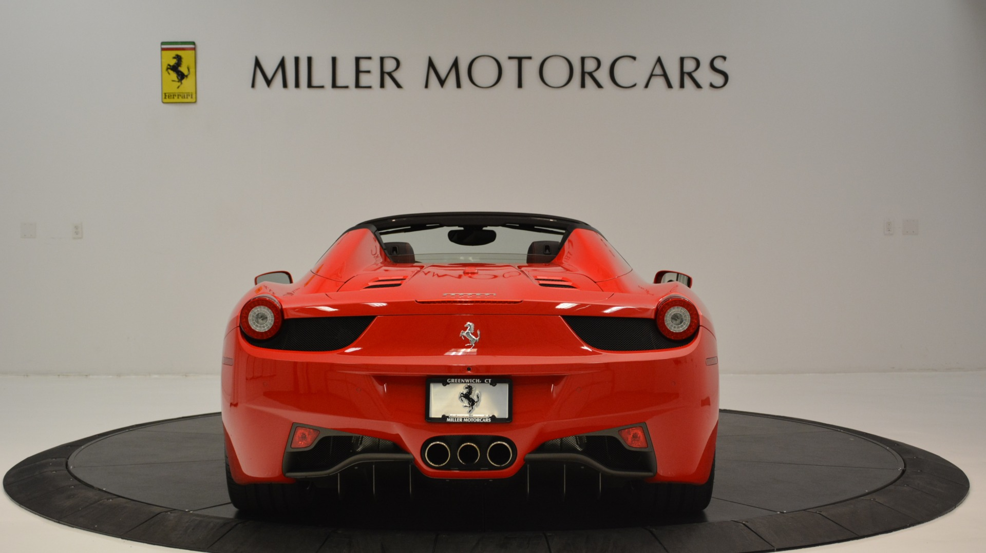 Used 2015 Ferrari 458 Spider  For Sale In Westport, CT 2369_p7