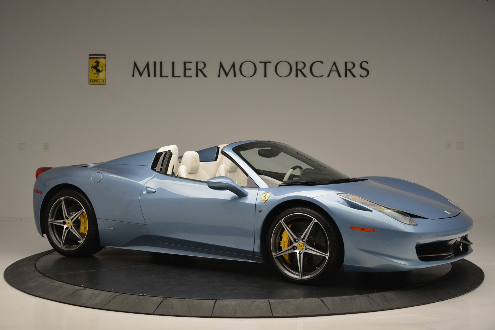 Used 2012 Ferrari 458 Spider  For Sale In Westport, CT 2413_p10