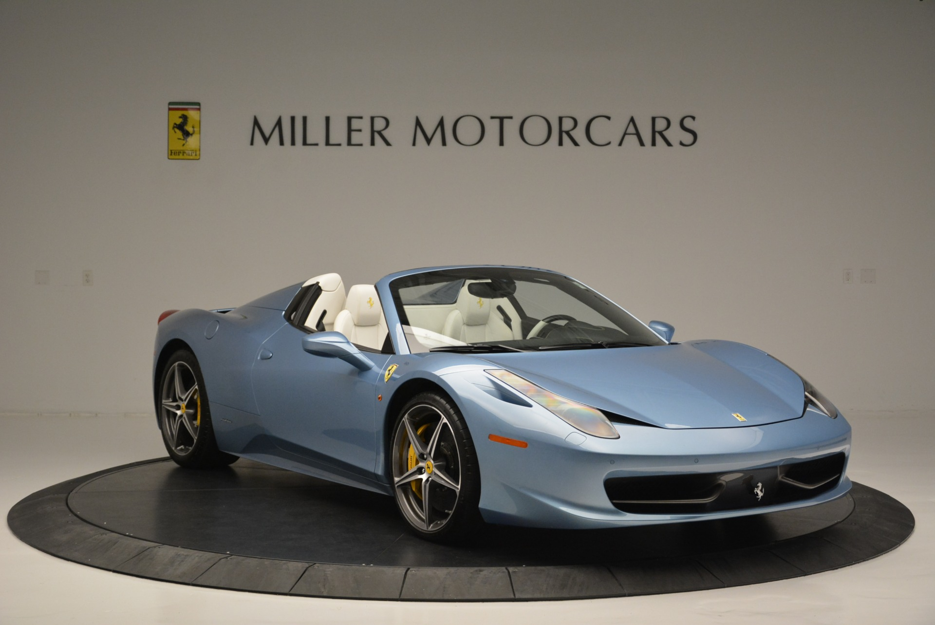 Used 2012 Ferrari 458 Spider  For Sale In Westport, CT 2413_p11