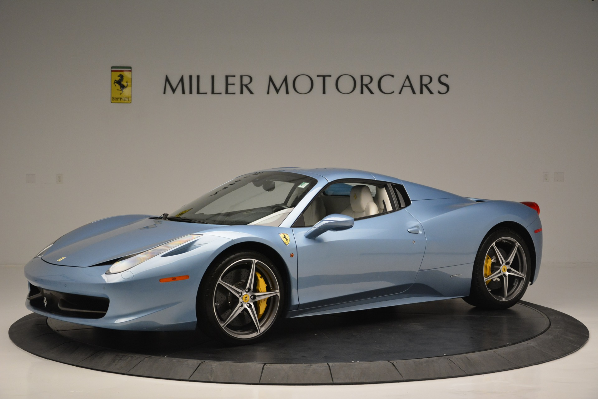 Used 2012 Ferrari 458 Spider  For Sale In Westport, CT 2413_p14