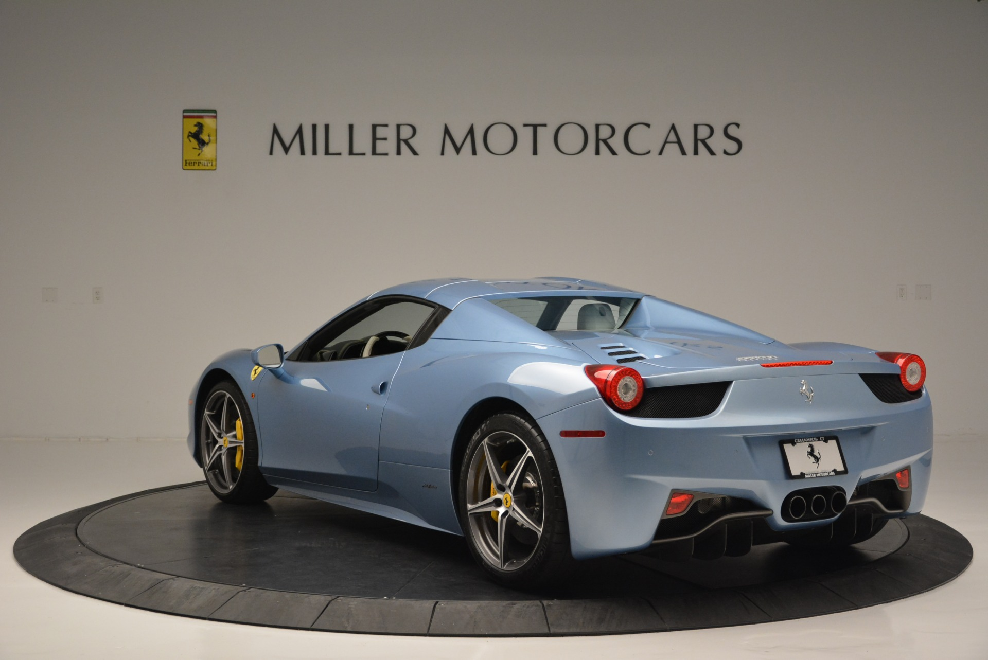 Used 2012 Ferrari 458 Spider  For Sale In Westport, CT 2413_p17