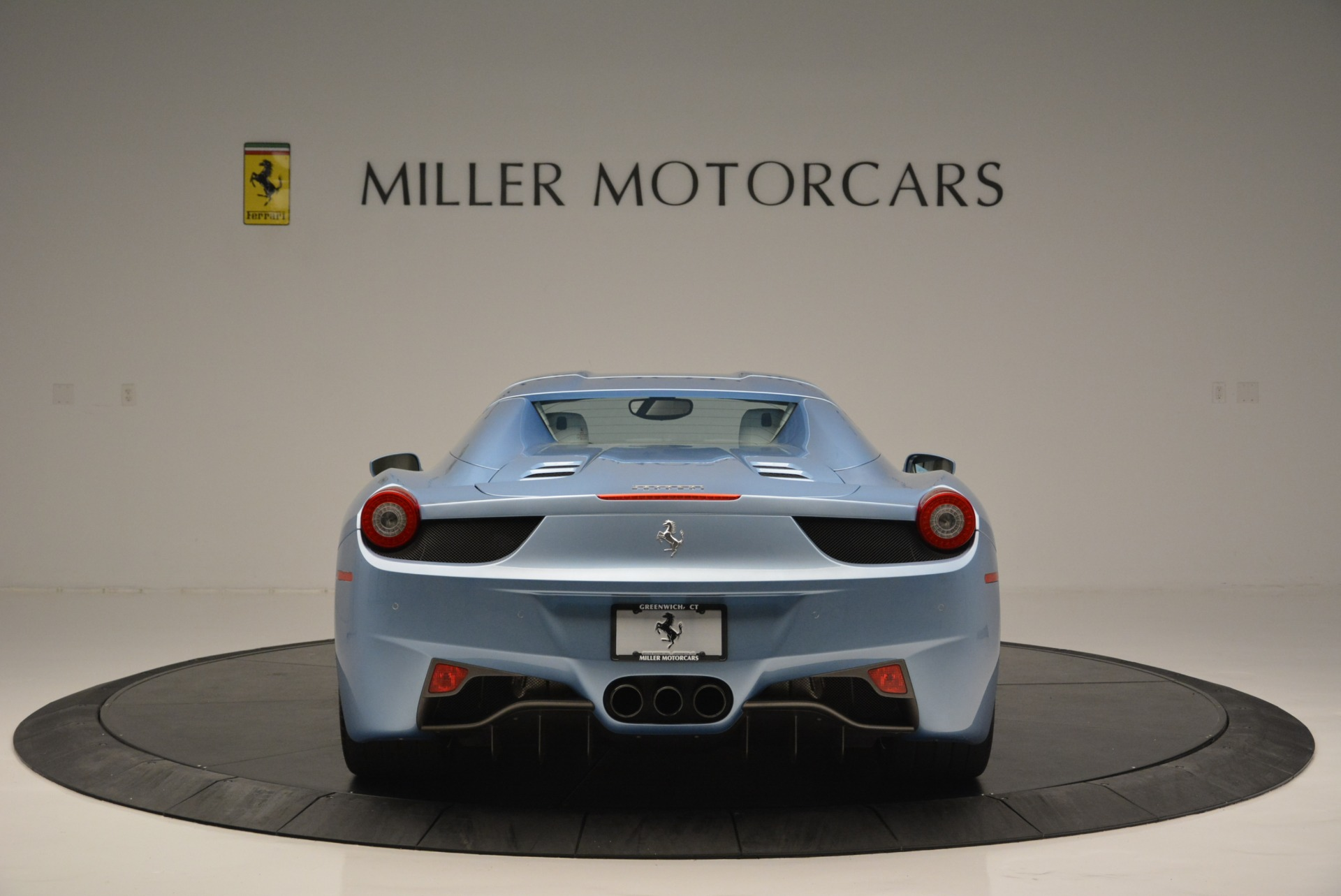 Used 2012 Ferrari 458 Spider  For Sale In Westport, CT 2413_p18