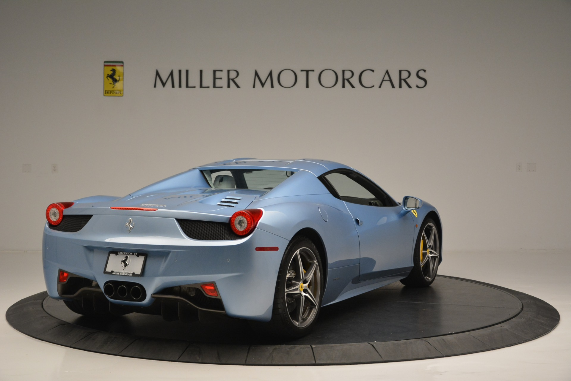Used 2012 Ferrari 458 Spider  For Sale In Westport, CT 2413_p19