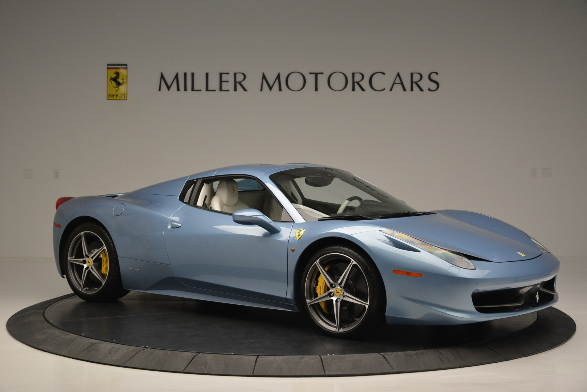 Used 2012 Ferrari 458 Spider  For Sale In Westport, CT 2413_p22