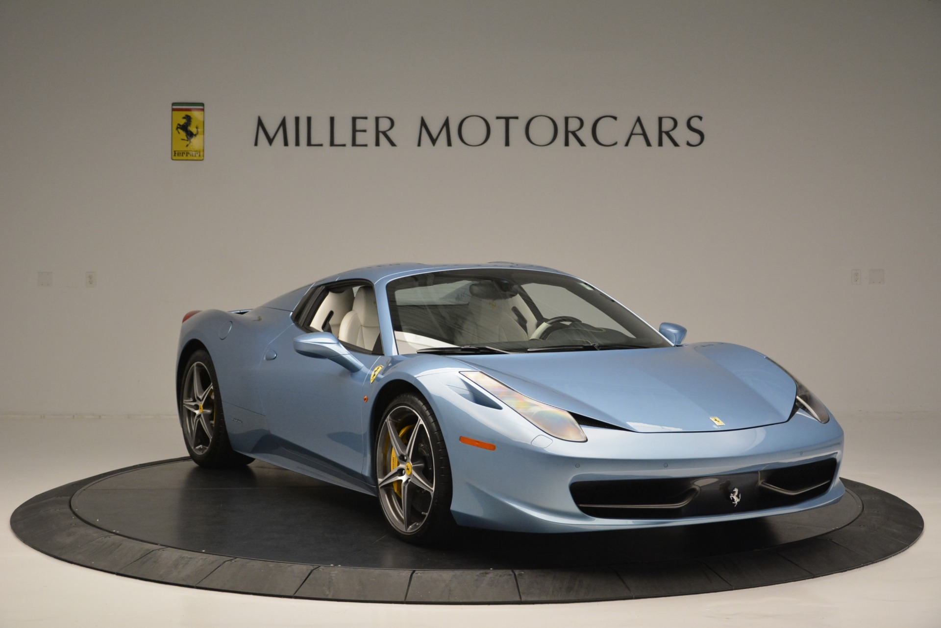 Used 2012 Ferrari 458 Spider  For Sale In Westport, CT 2413_p23