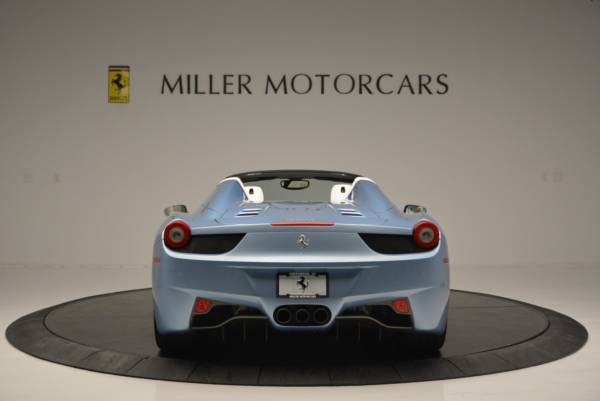 Used 2012 Ferrari 458 Spider  For Sale In Westport, CT 2413_p6