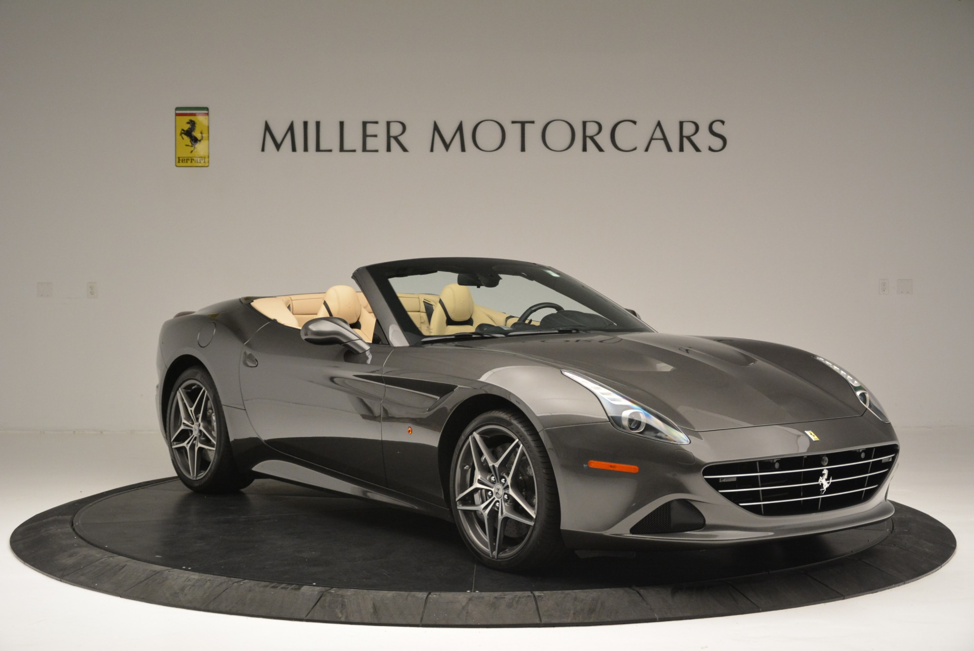 Used 2015 Ferrari California T  For Sale In Westport, CT 2415_p11