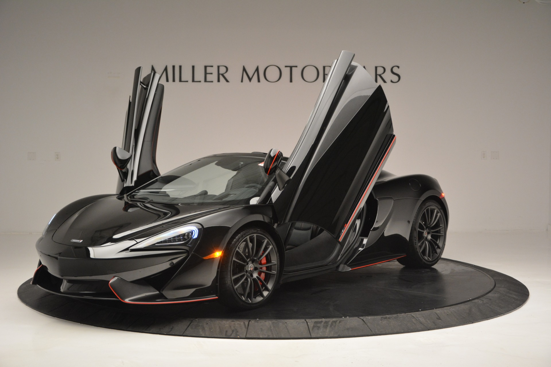 Used 2018 McLaren 570S Spider For Sale In Westport, CT 2420_p14
