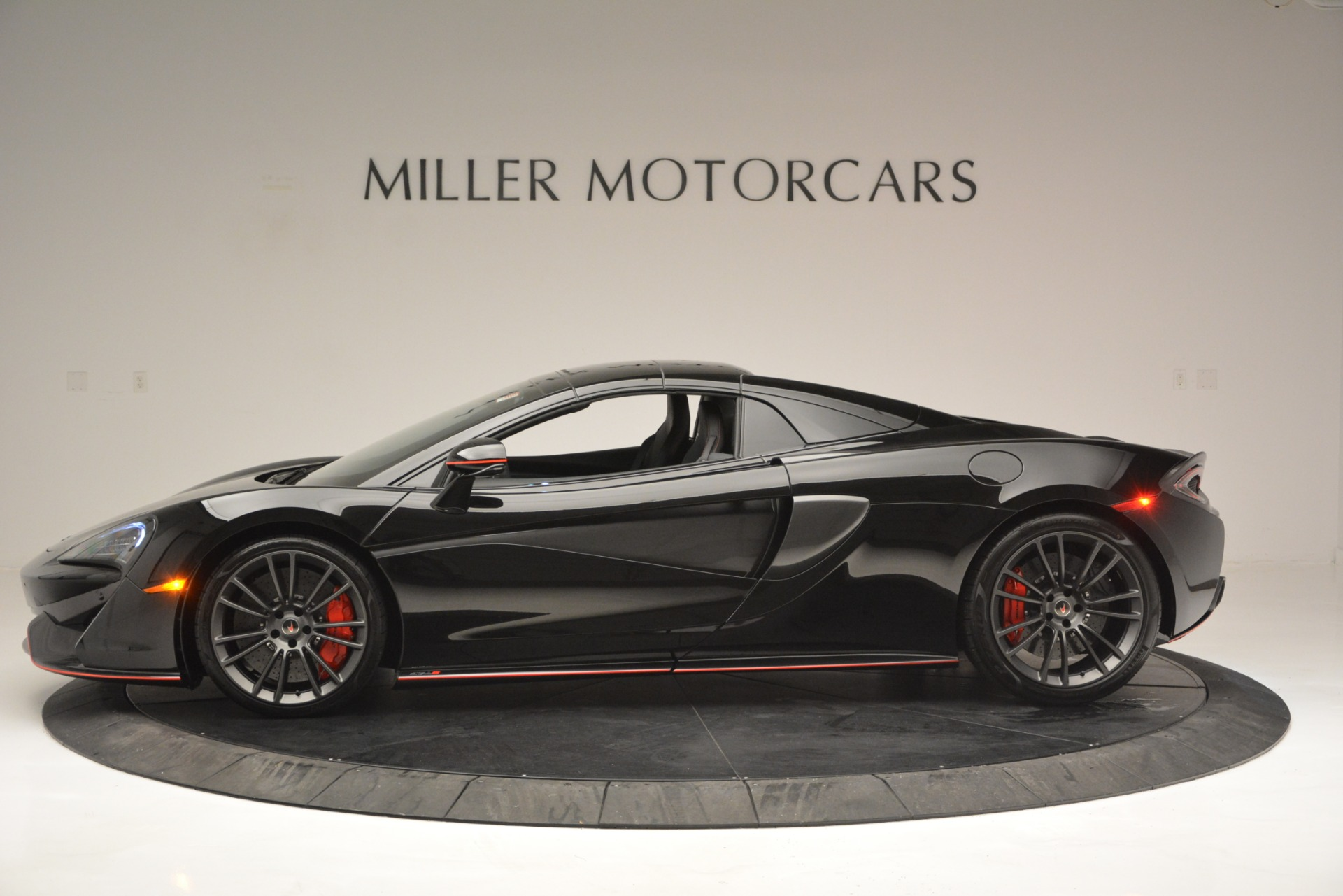 Used 2018 McLaren 570S Spider For Sale In Westport, CT 2420_p16
