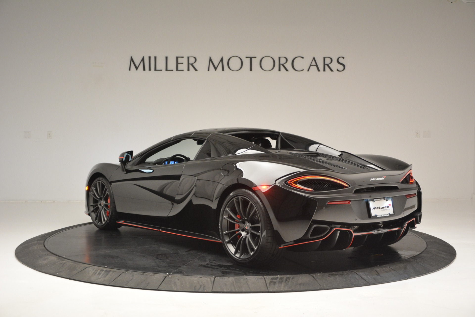 Used 2018 McLaren 570S Spider For Sale In Westport, CT 2420_p17