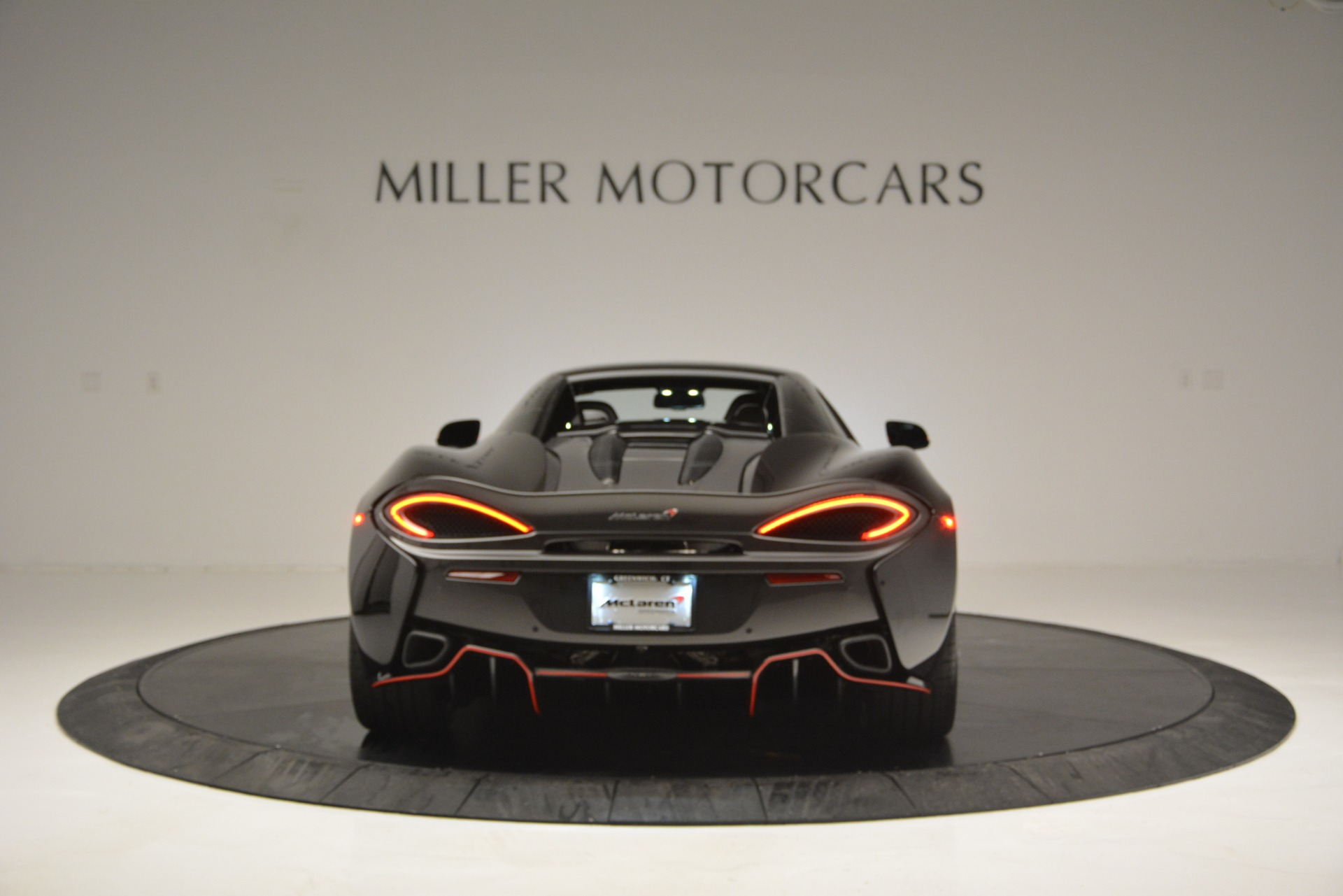 Used 2018 McLaren 570S Spider For Sale In Westport, CT 2420_p18