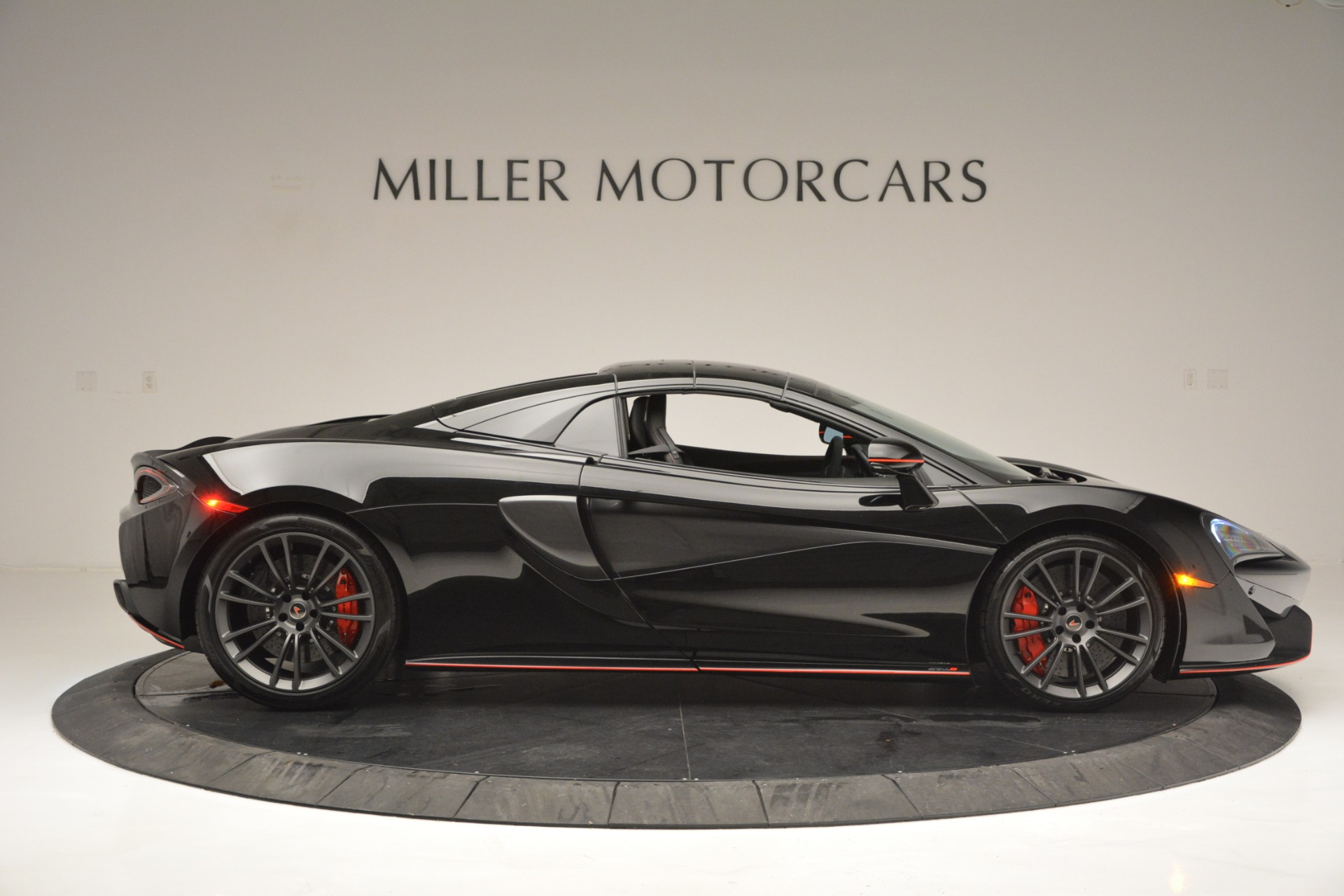 Used 2018 McLaren 570S Spider For Sale In Westport, CT 2420_p20