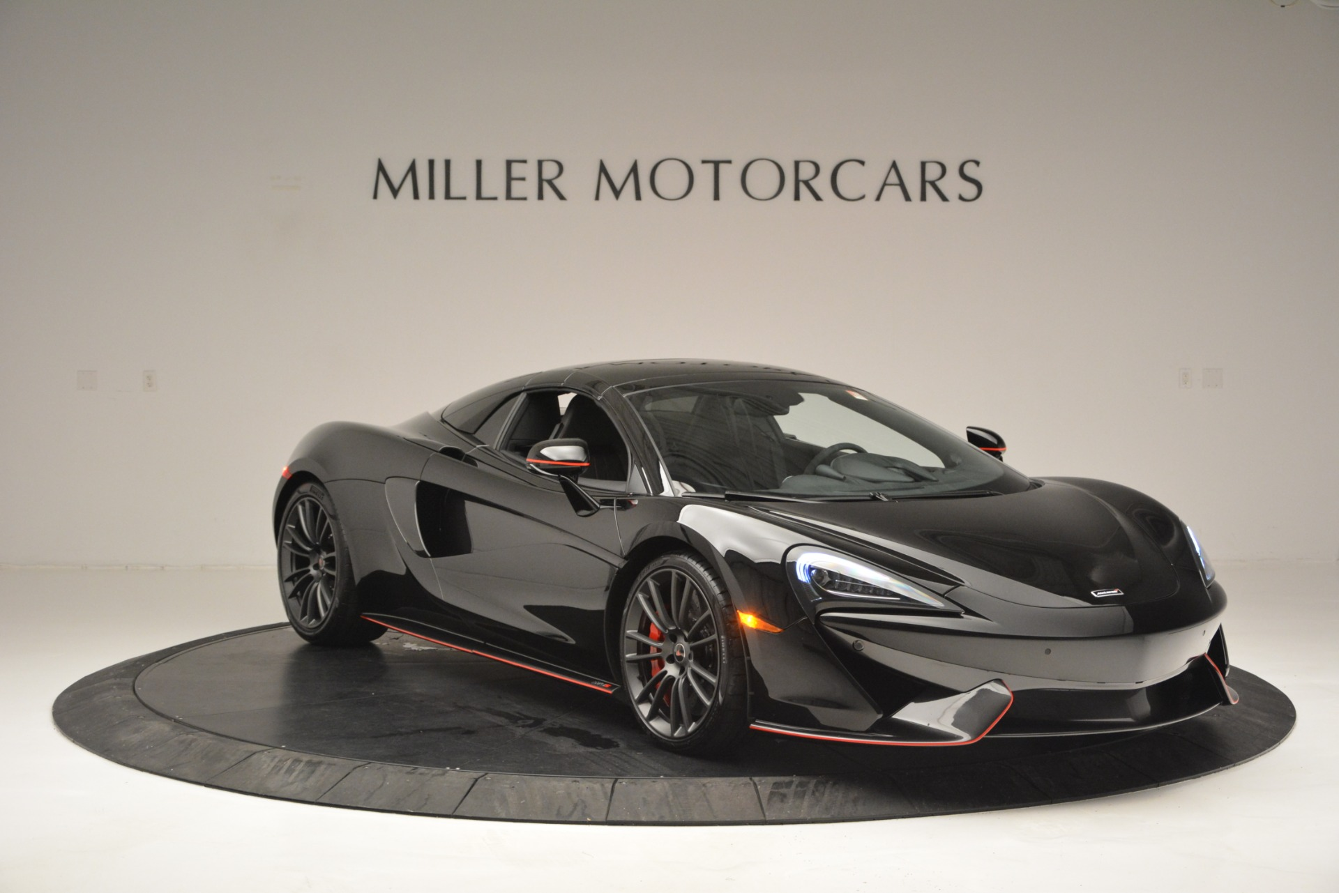 Used 2018 McLaren 570S Spider For Sale In Westport, CT 2420_p21