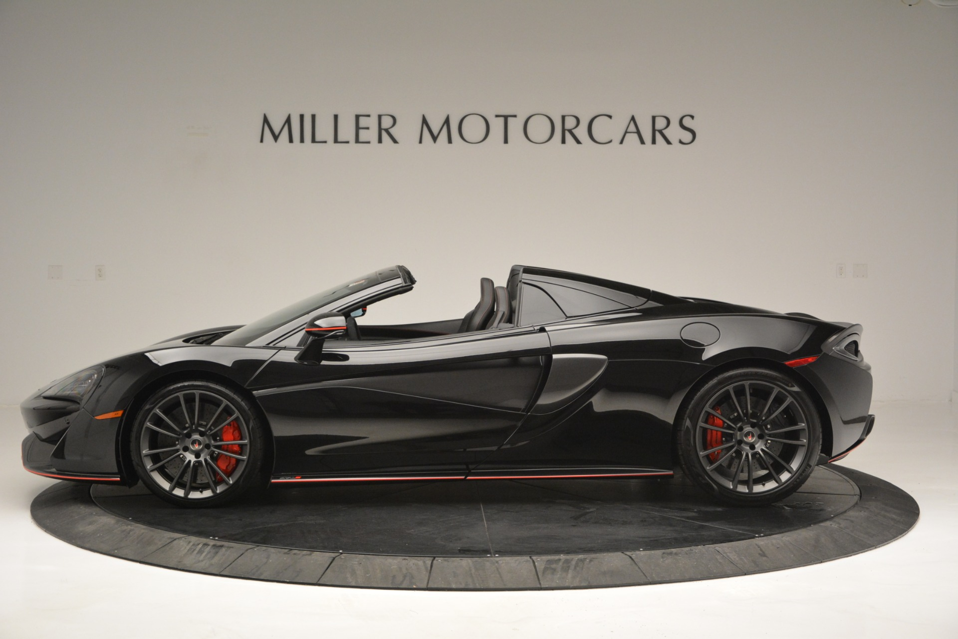 Used 2018 McLaren 570S Spider For Sale In Westport, CT 2420_p3