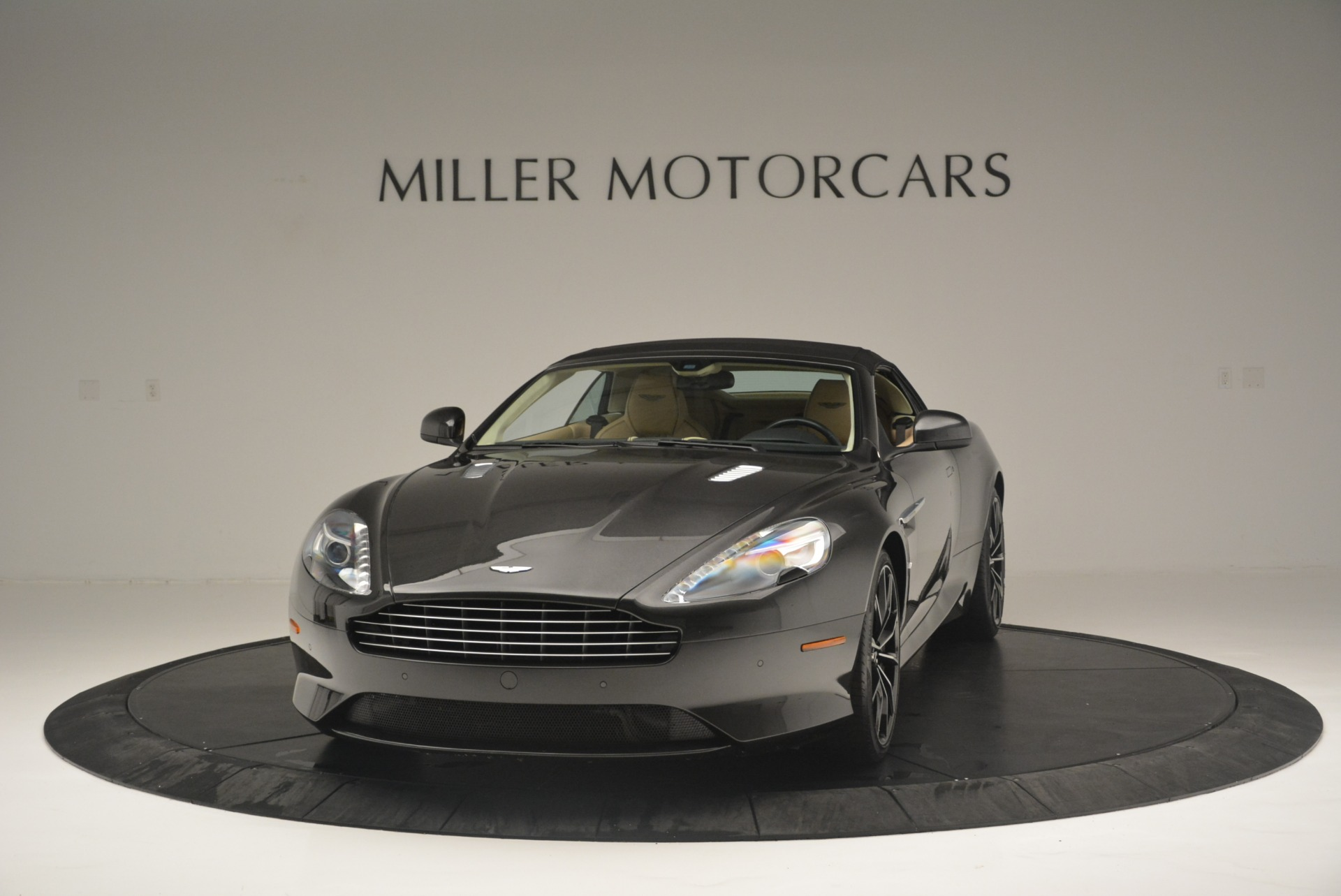 Used 2016 Aston Martin DB9 GT Volante For Sale In Westport, CT 2429_p13