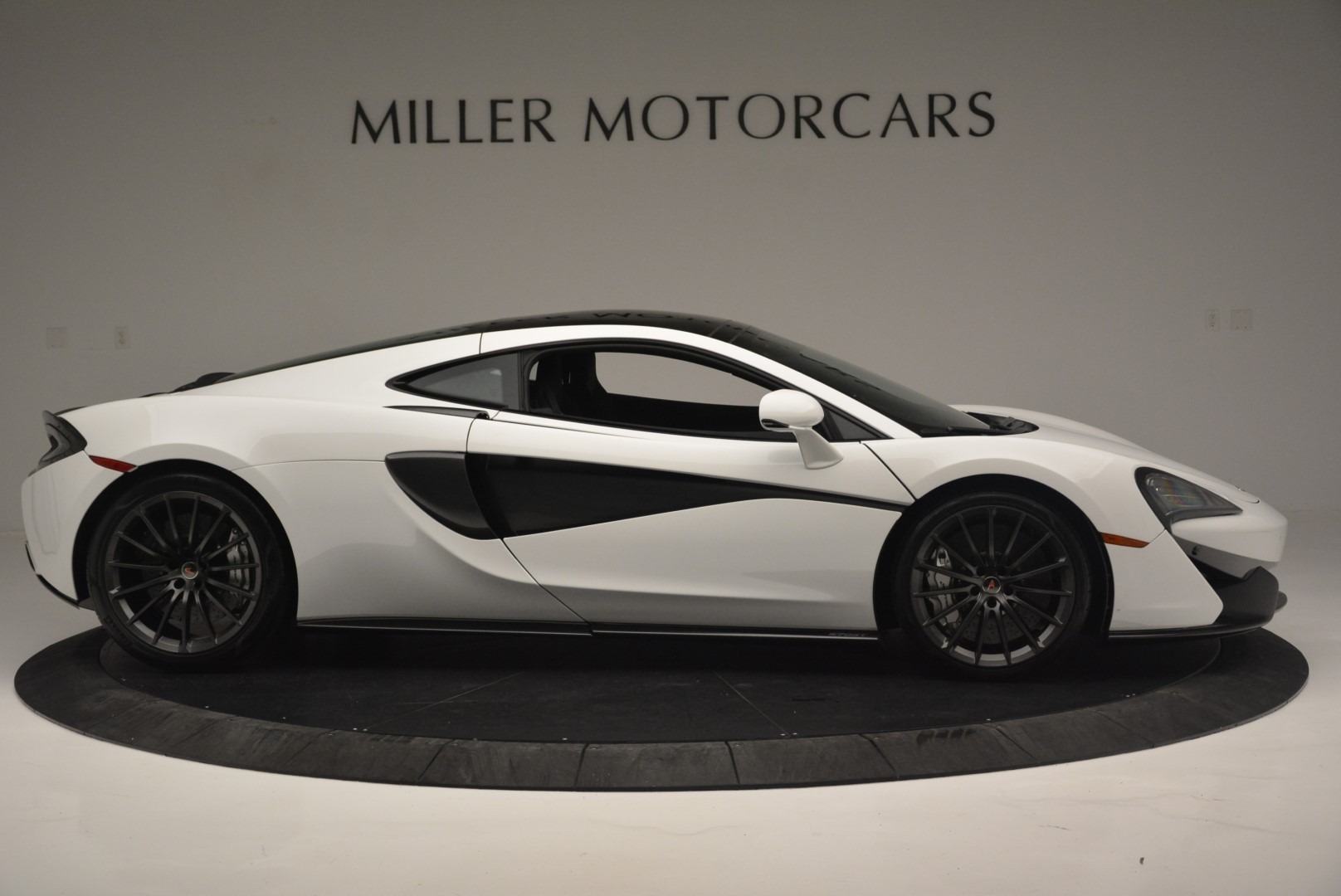 Used 2018 McLaren 570GT  For Sale In Westport, CT 2442_p9