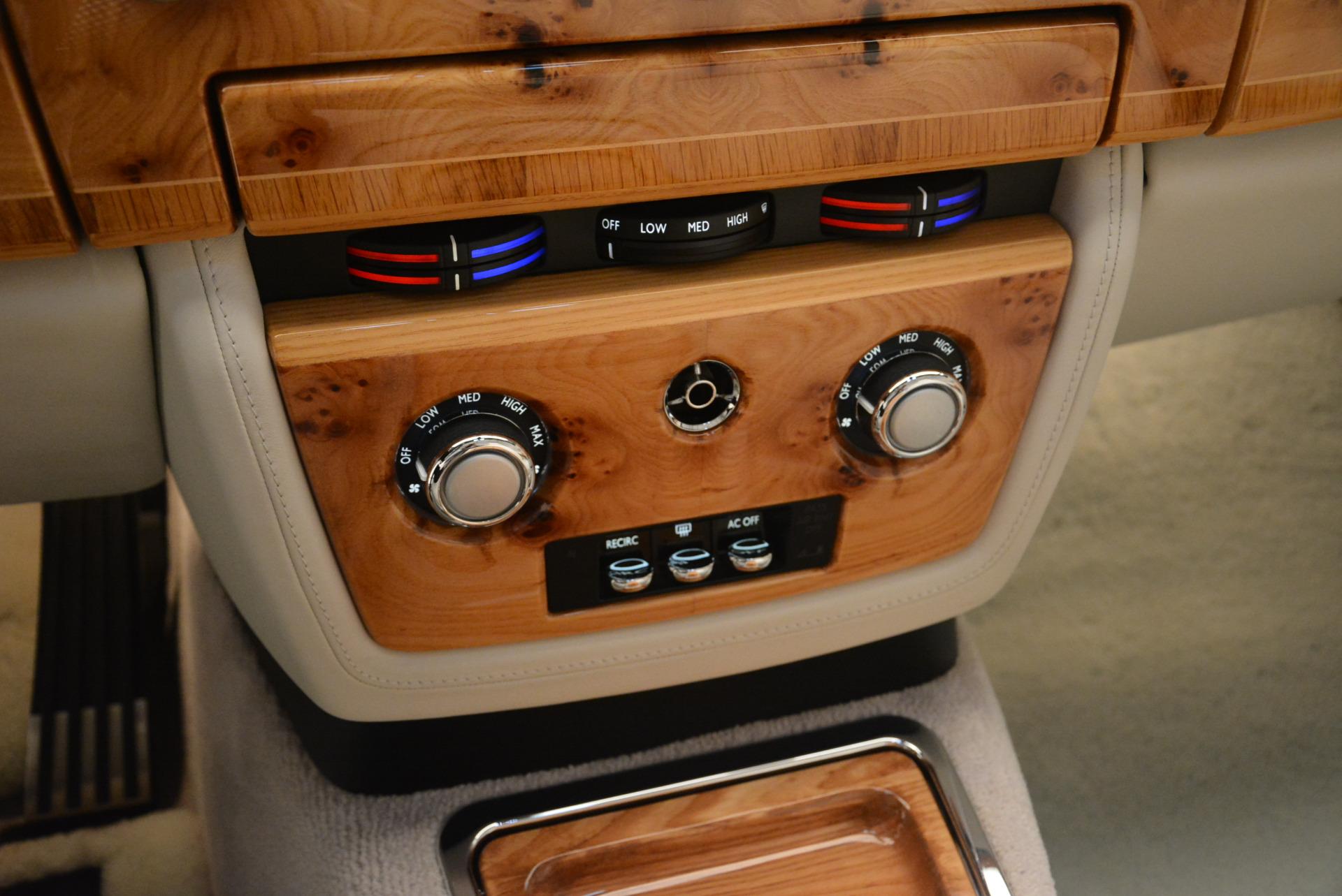 Used 2013 Rolls-Royce Phantom Drophead Coupe  For Sale In Westport, CT 2444_p23