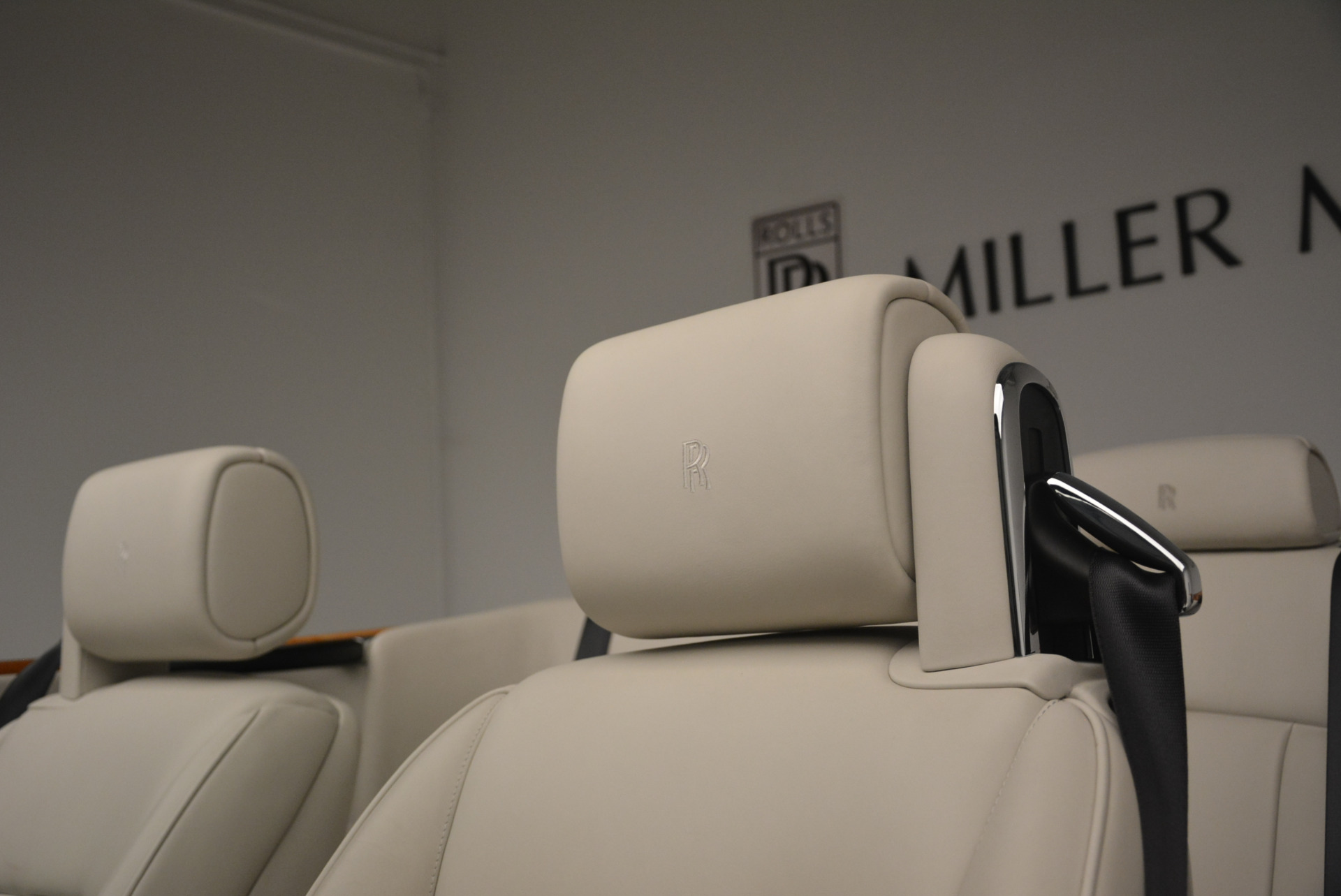 Used 2013 Rolls-Royce Phantom Drophead Coupe  For Sale In Westport, CT 2444_p28
