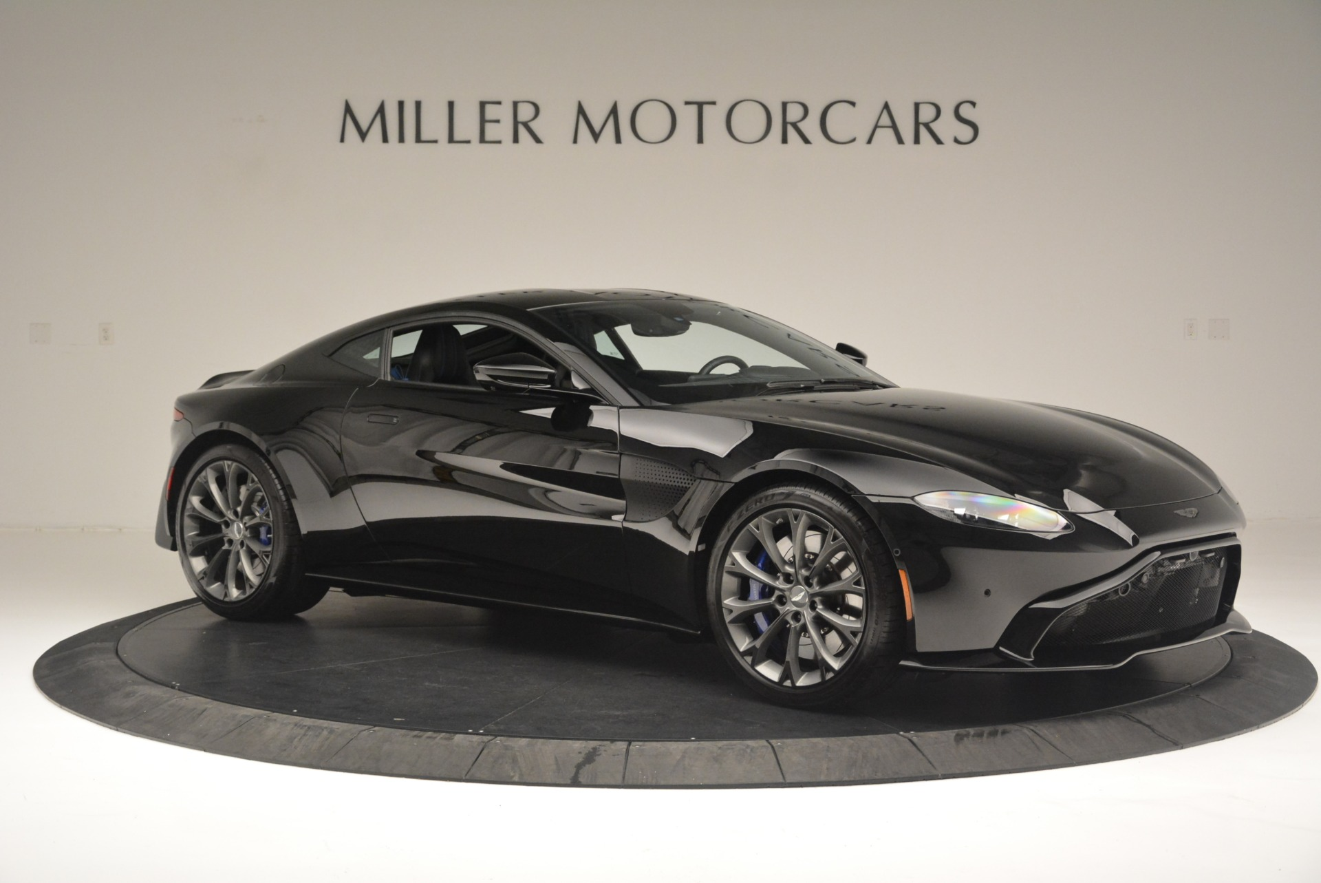 Used 2019 Aston Martin Vantage Coupe For Sale In Westport, CT 2445_p10