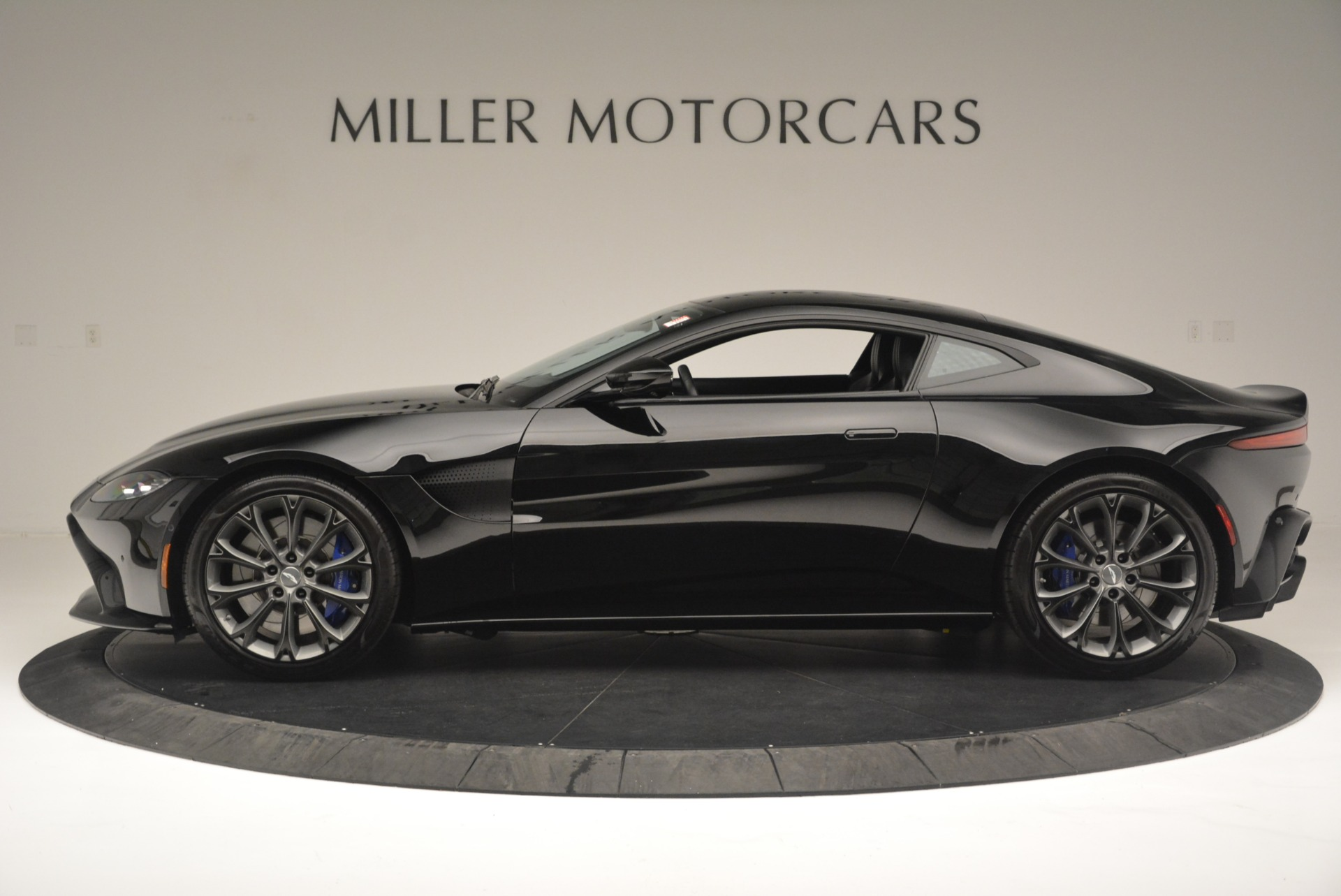 Used 2019 Aston Martin Vantage Coupe For Sale In Westport, CT 2445_p3