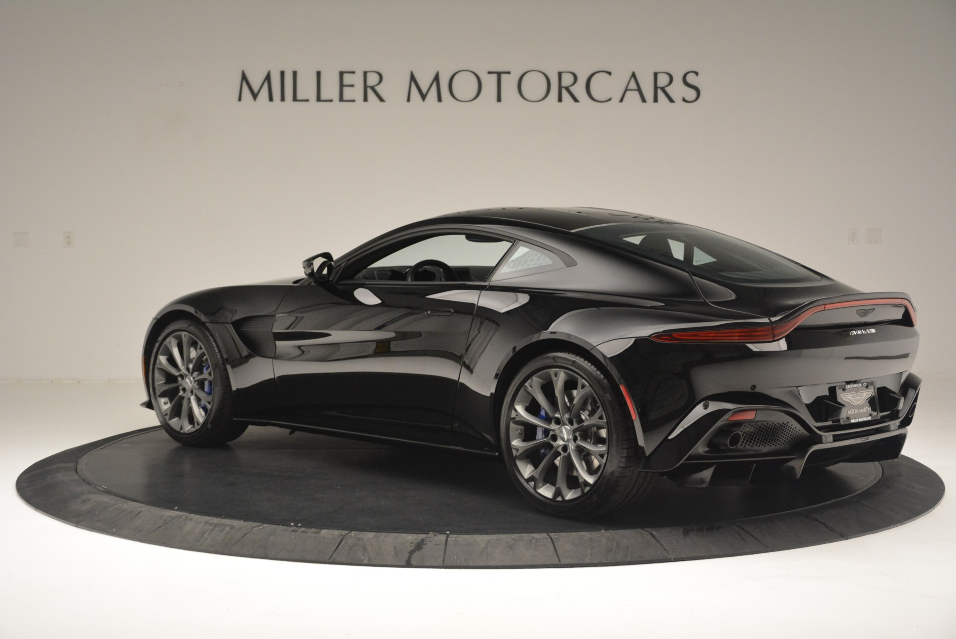 Used 2019 Aston Martin Vantage Coupe For Sale In Westport, CT 2445_p4