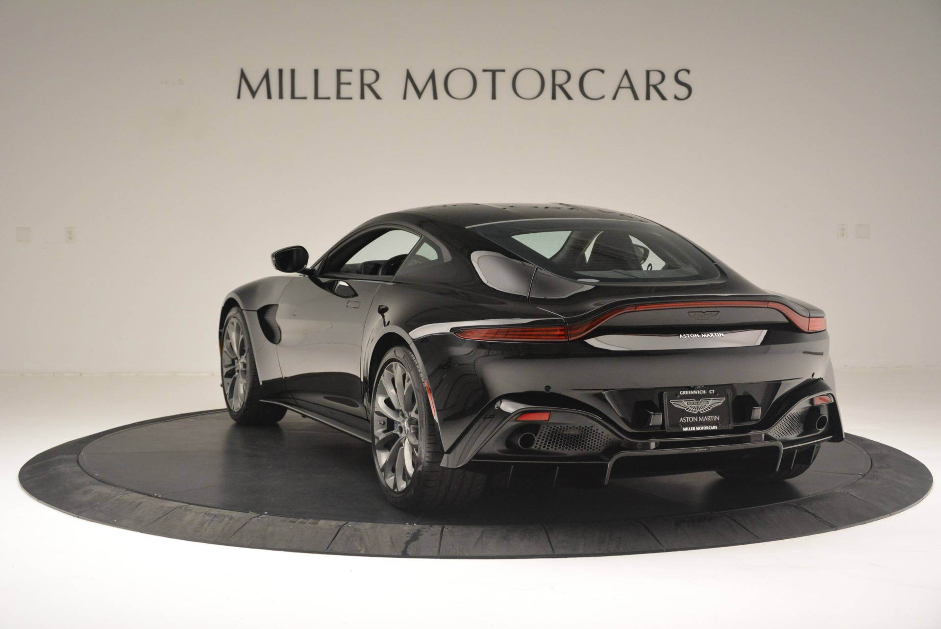 Used 2019 Aston Martin Vantage Coupe For Sale In Westport, CT 2445_p5