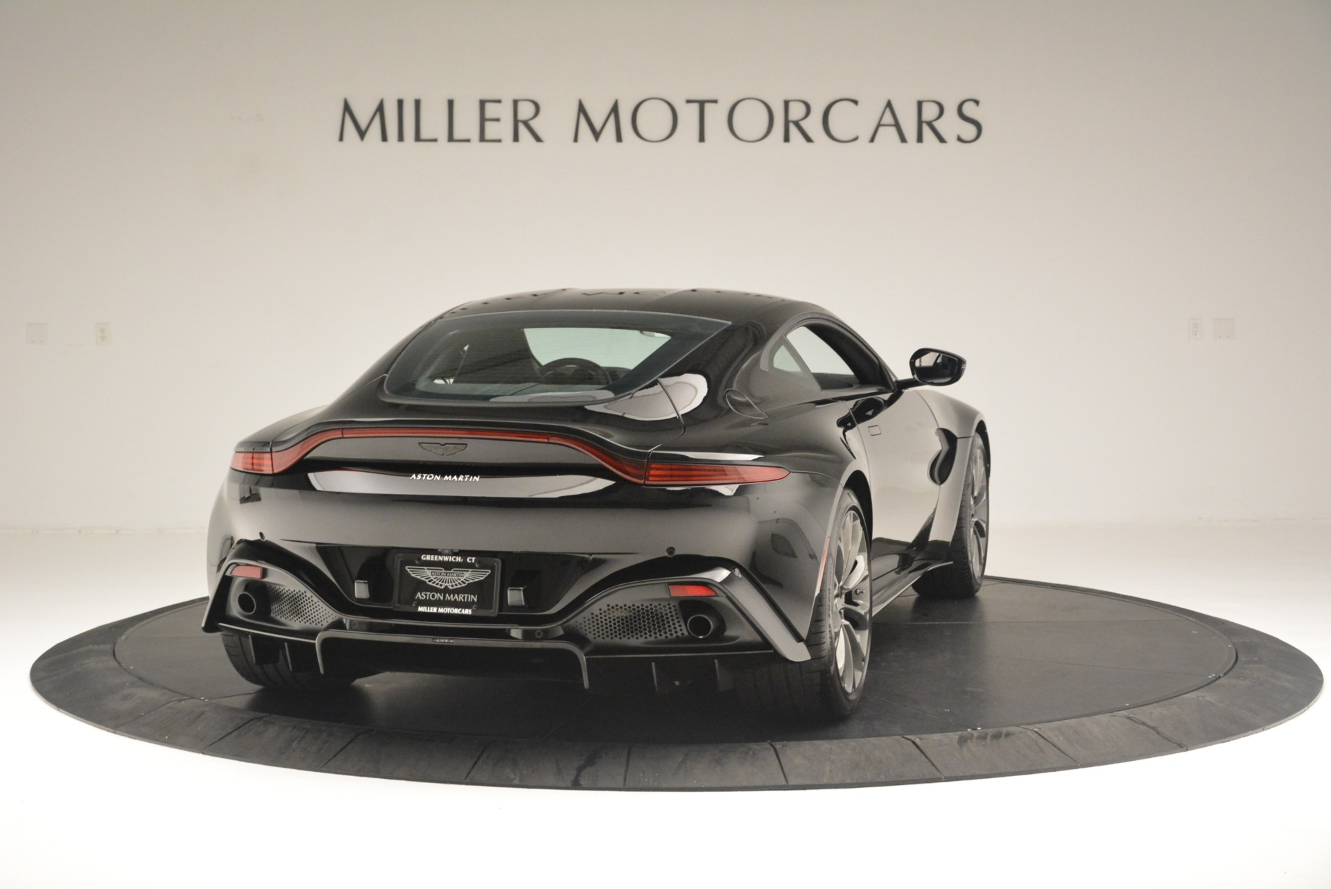 Used 2019 Aston Martin Vantage Coupe For Sale In Westport, CT 2445_p7