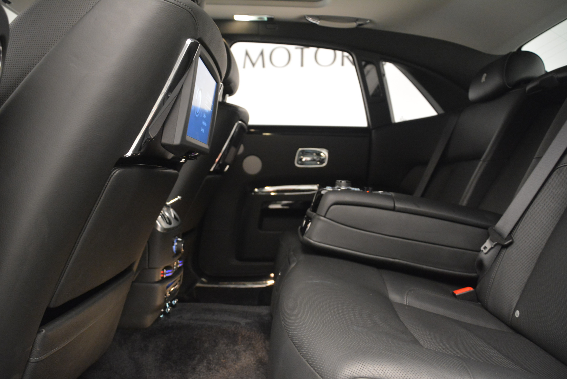 Used 2012 Rolls-Royce Ghost  For Sale In Westport, CT 2447_p19