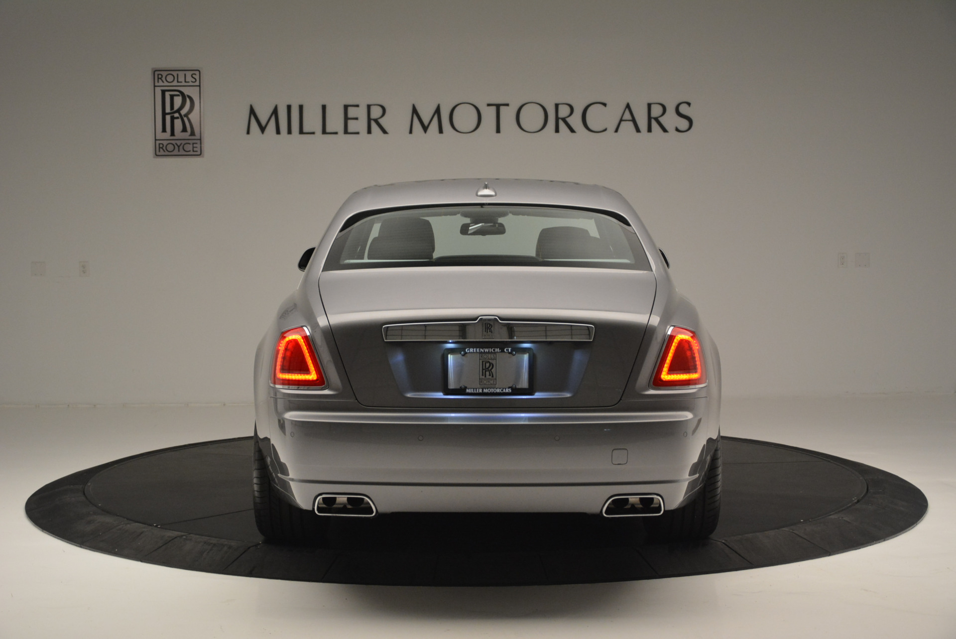 Used 2012 Rolls-Royce Ghost  For Sale In Westport, CT 2447_p6