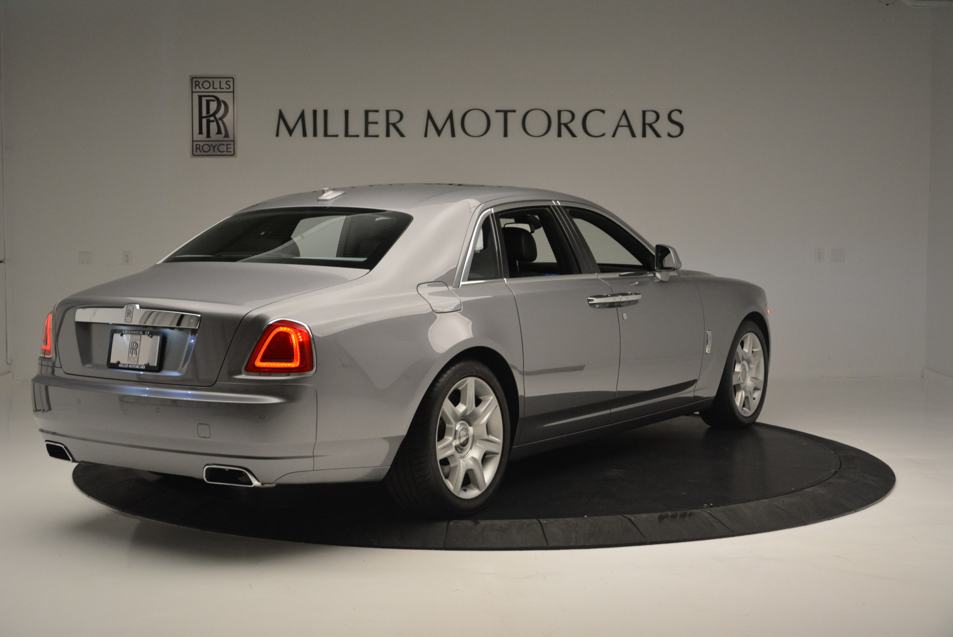 Used 2012 Rolls-Royce Ghost  For Sale In Westport, CT 2447_p7