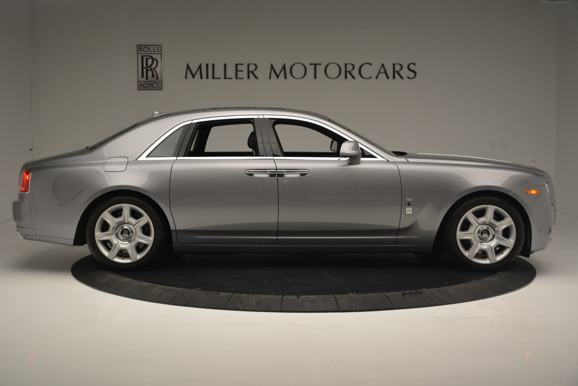 Used 2012 Rolls-Royce Ghost  For Sale In Westport, CT 2447_p8