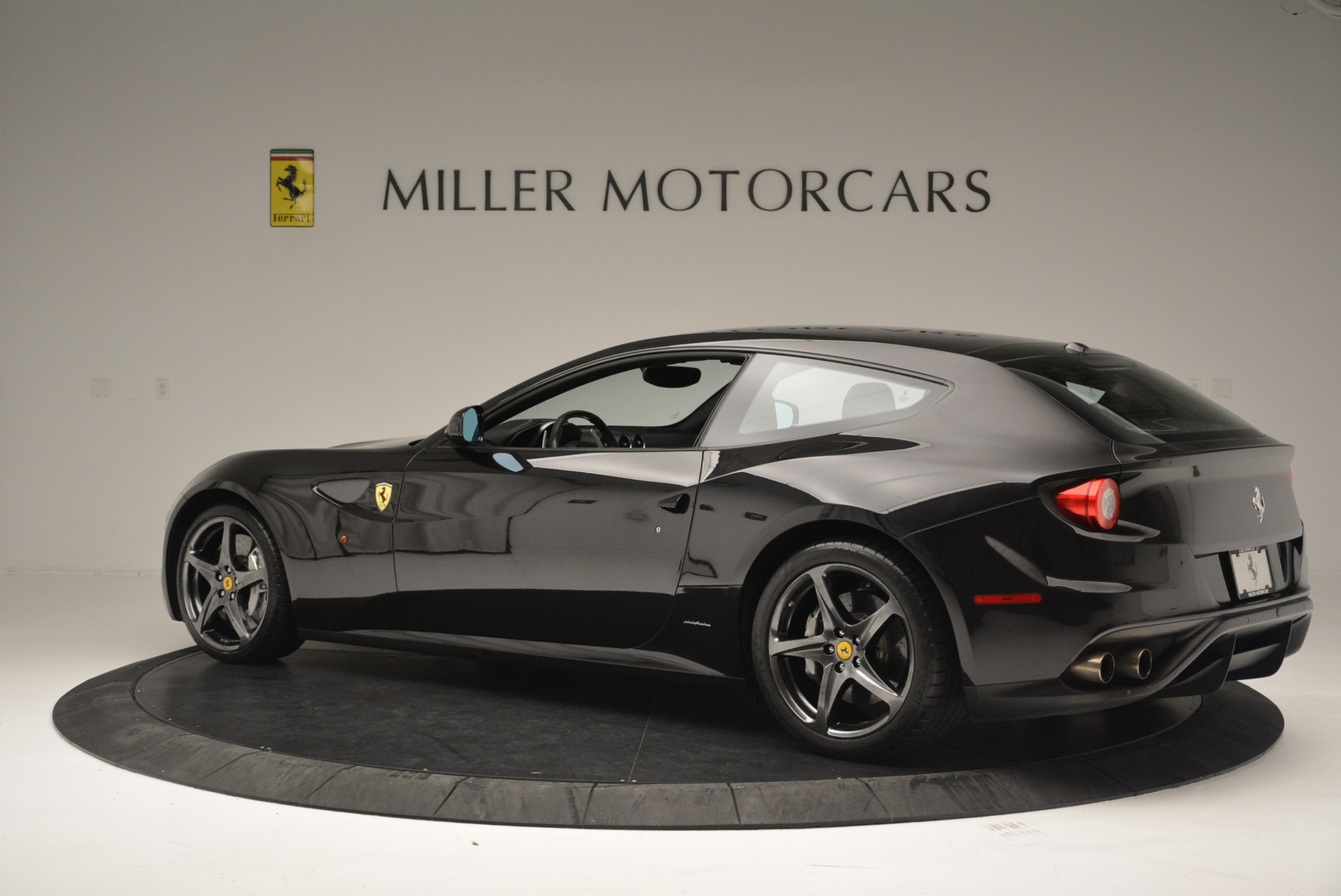 Used 2012 Ferrari FF  For Sale In Westport, CT 2448_p4