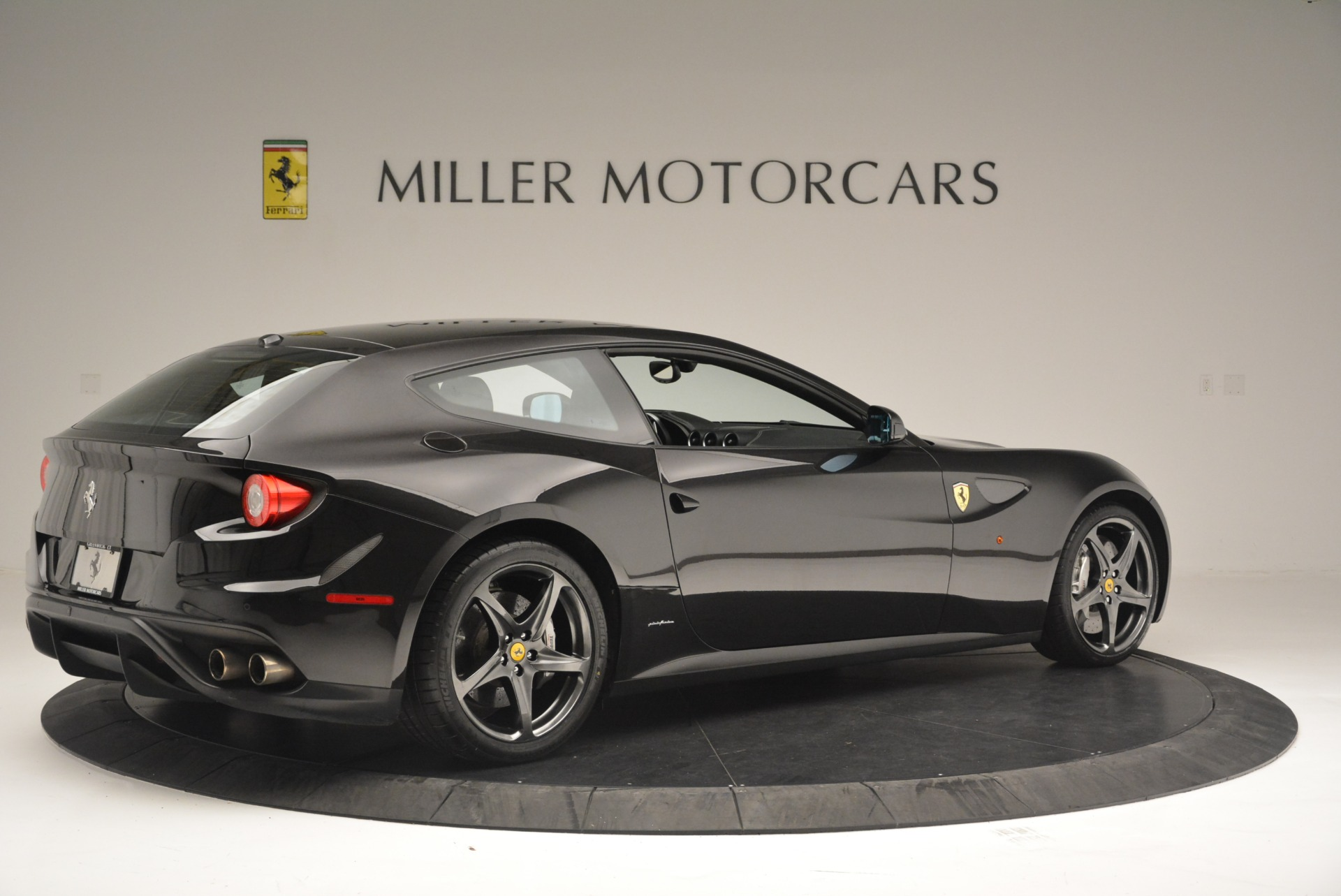 Used 2012 Ferrari FF  For Sale In Westport, CT 2448_p8