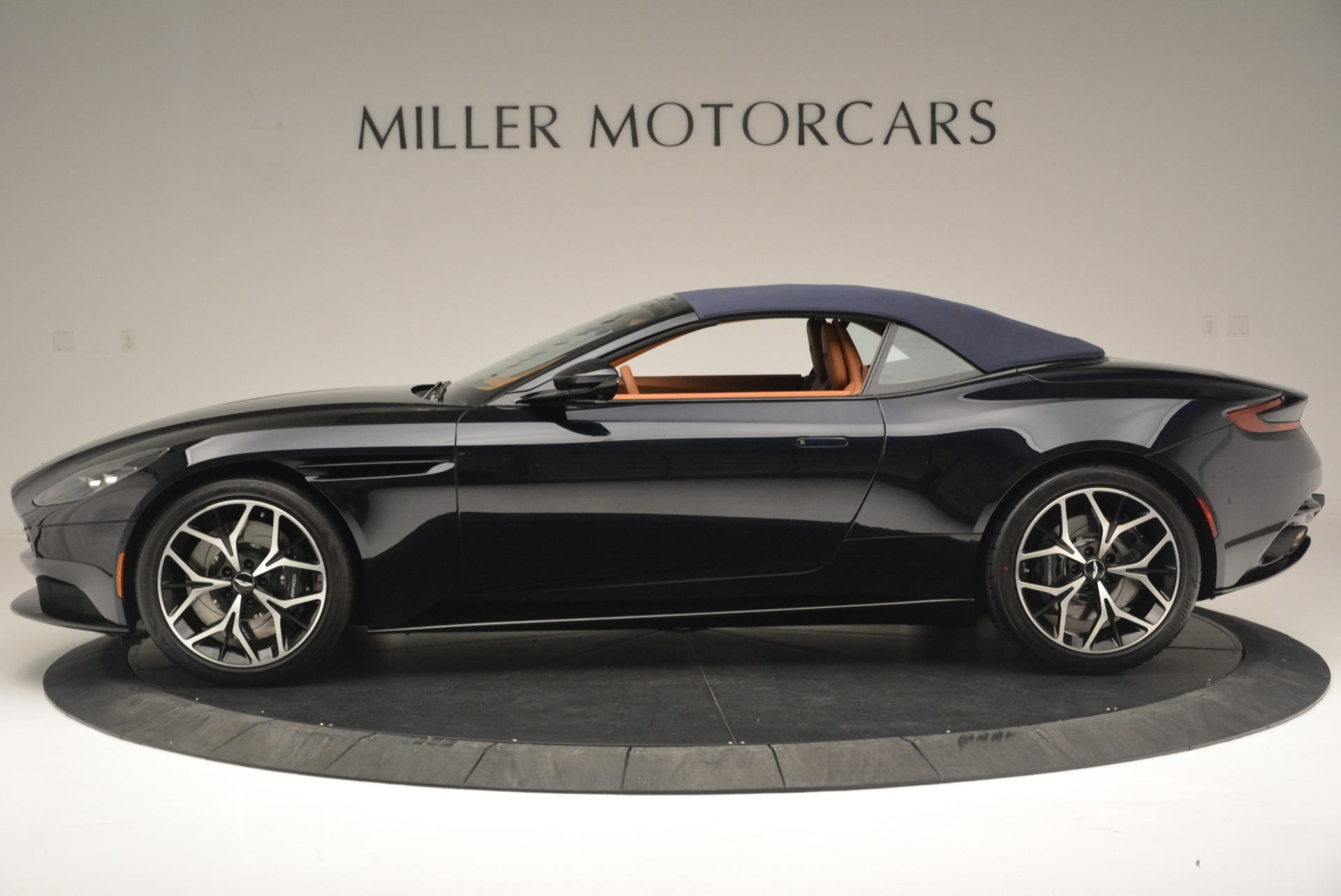 New 2019 Aston Martin DB11 Volante Volante For Sale In Westport, CT 2450_p15