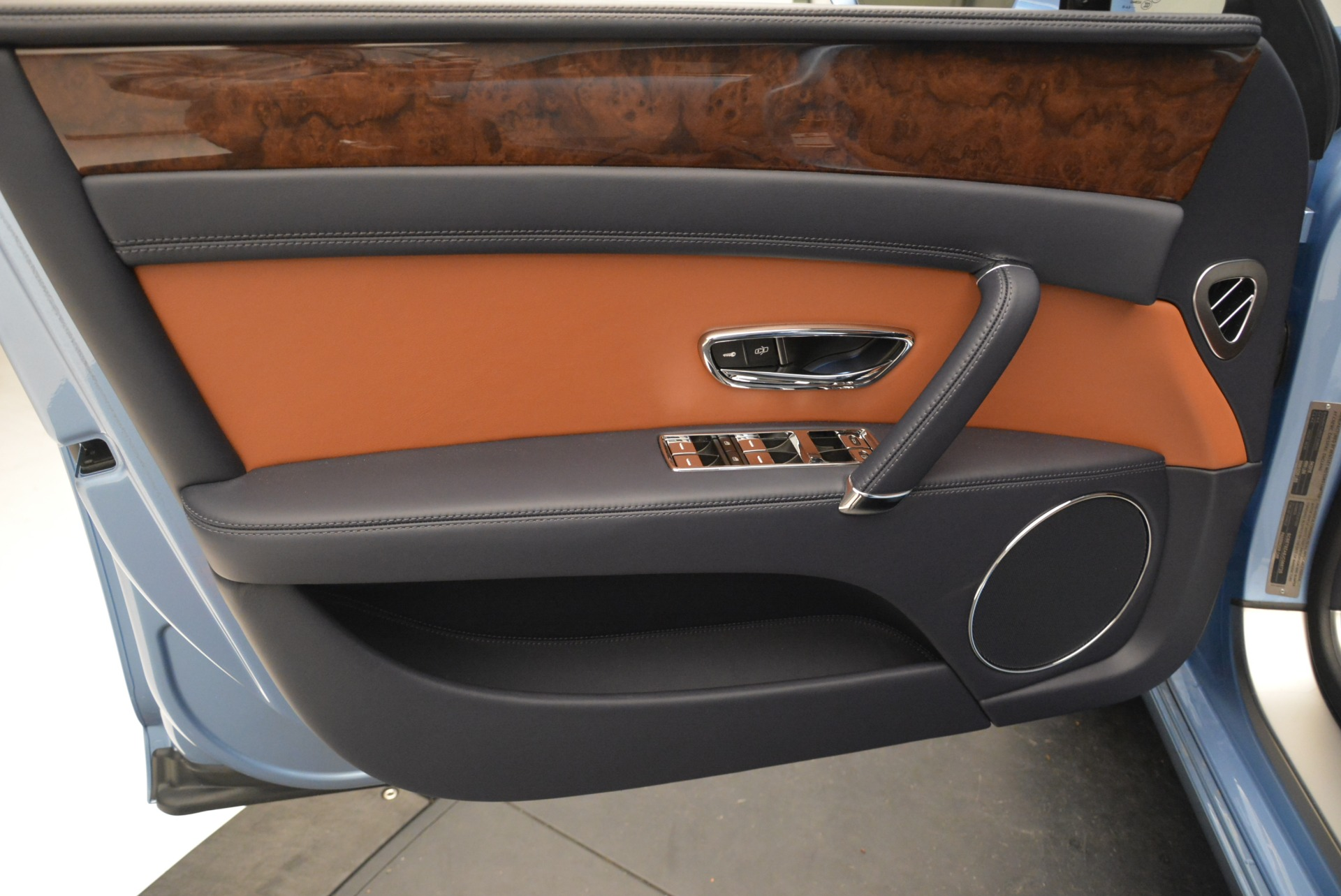 New 2018 Bentley Flying Spur V8 For Sale In Westport, CT 2484_p14