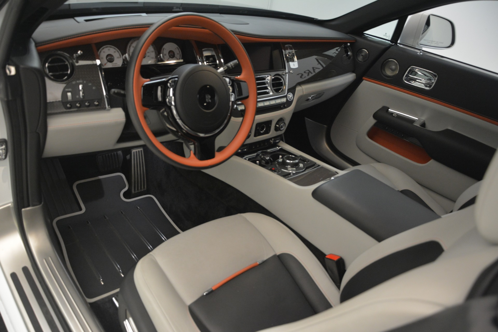 Used 2018 Rolls-Royce Wraith Black Badge Nebula Collection For Sale In Westport, CT 2491_p15