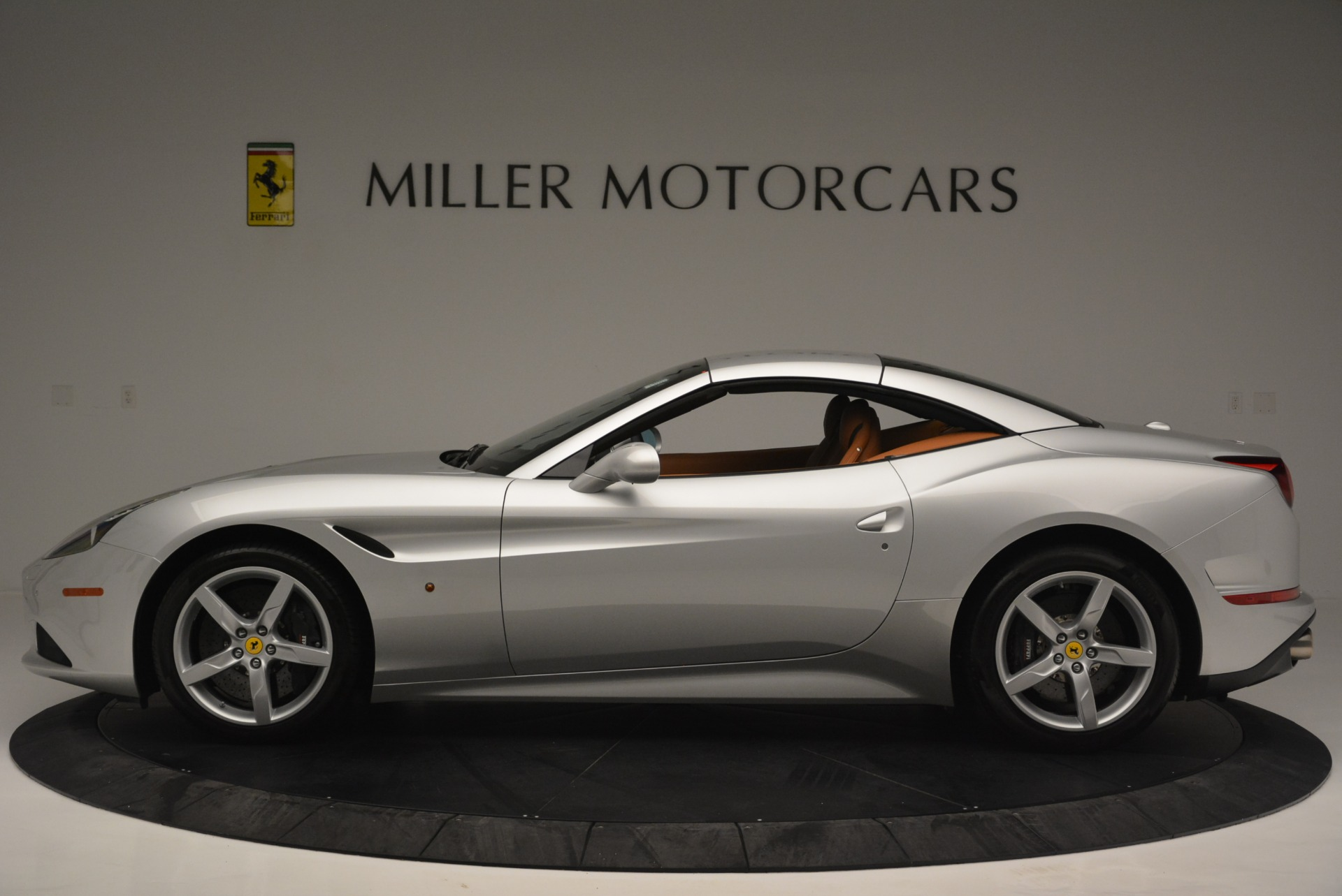 Used 2015 Ferrari California T  For Sale In Westport, CT 2514_p15