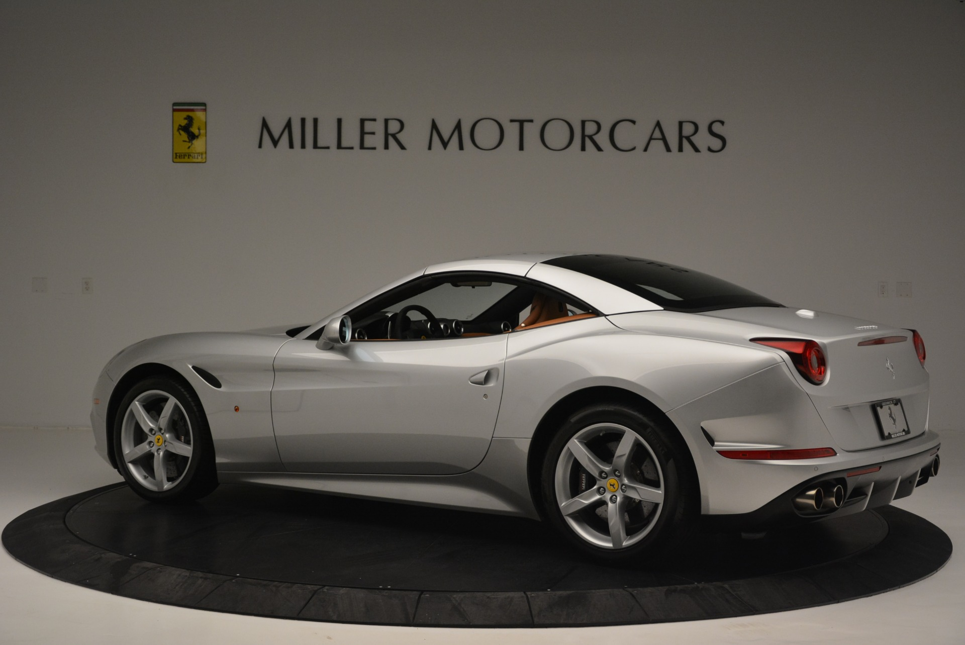 Used 2015 Ferrari California T  For Sale In Westport, CT 2514_p16
