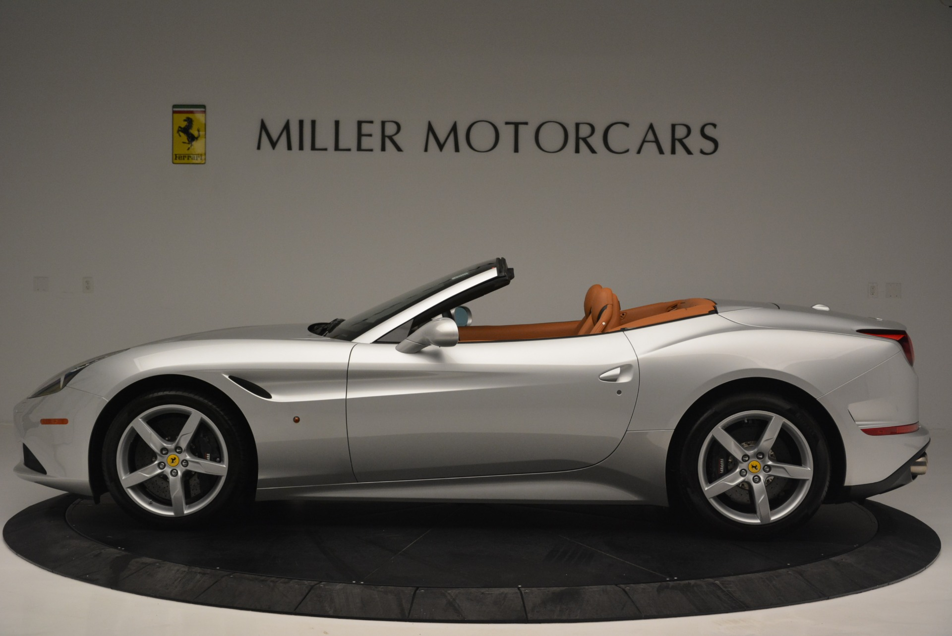 Used 2015 Ferrari California T  For Sale In Westport, CT 2514_p3