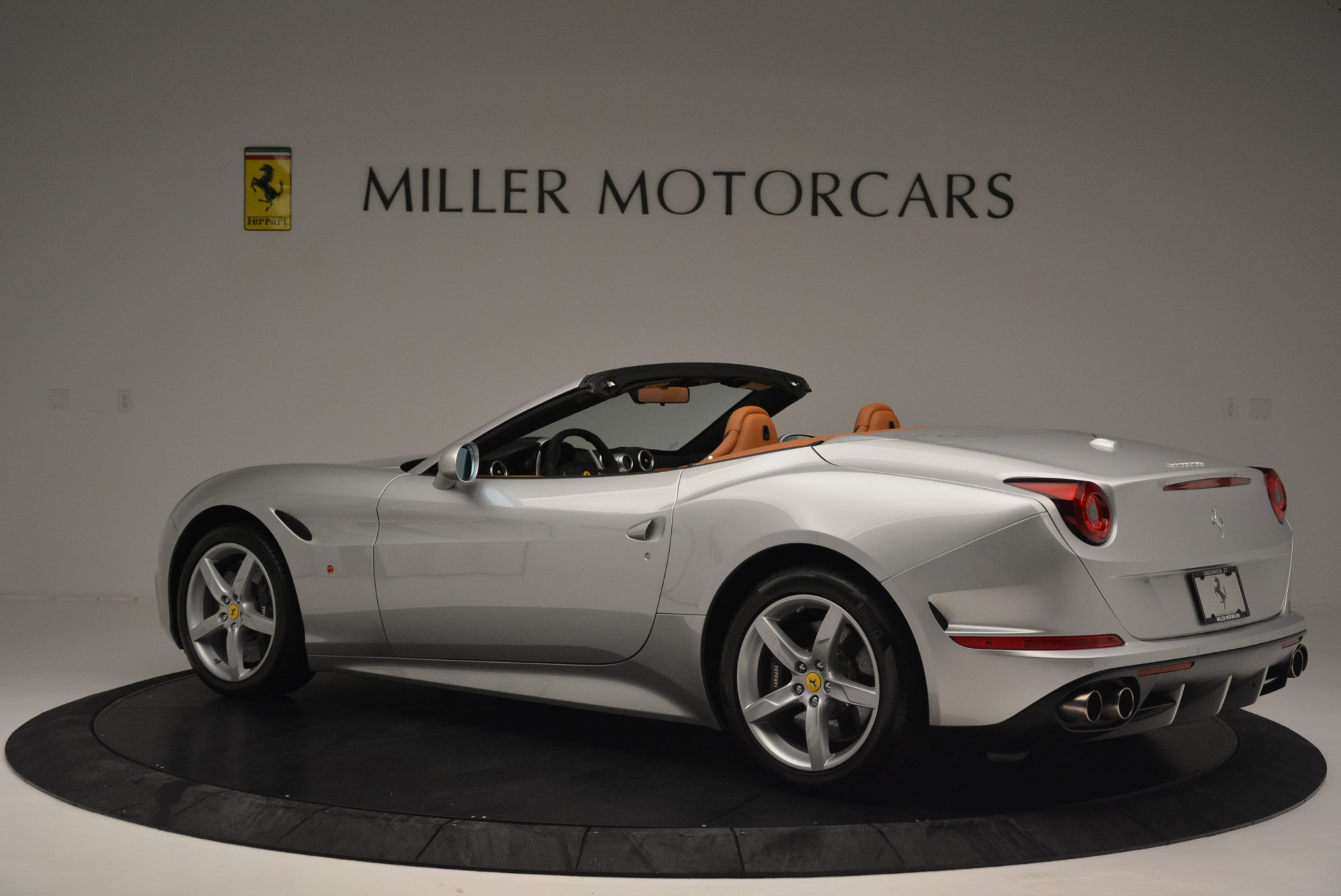 Used 2015 Ferrari California T  For Sale In Westport, CT 2514_p4