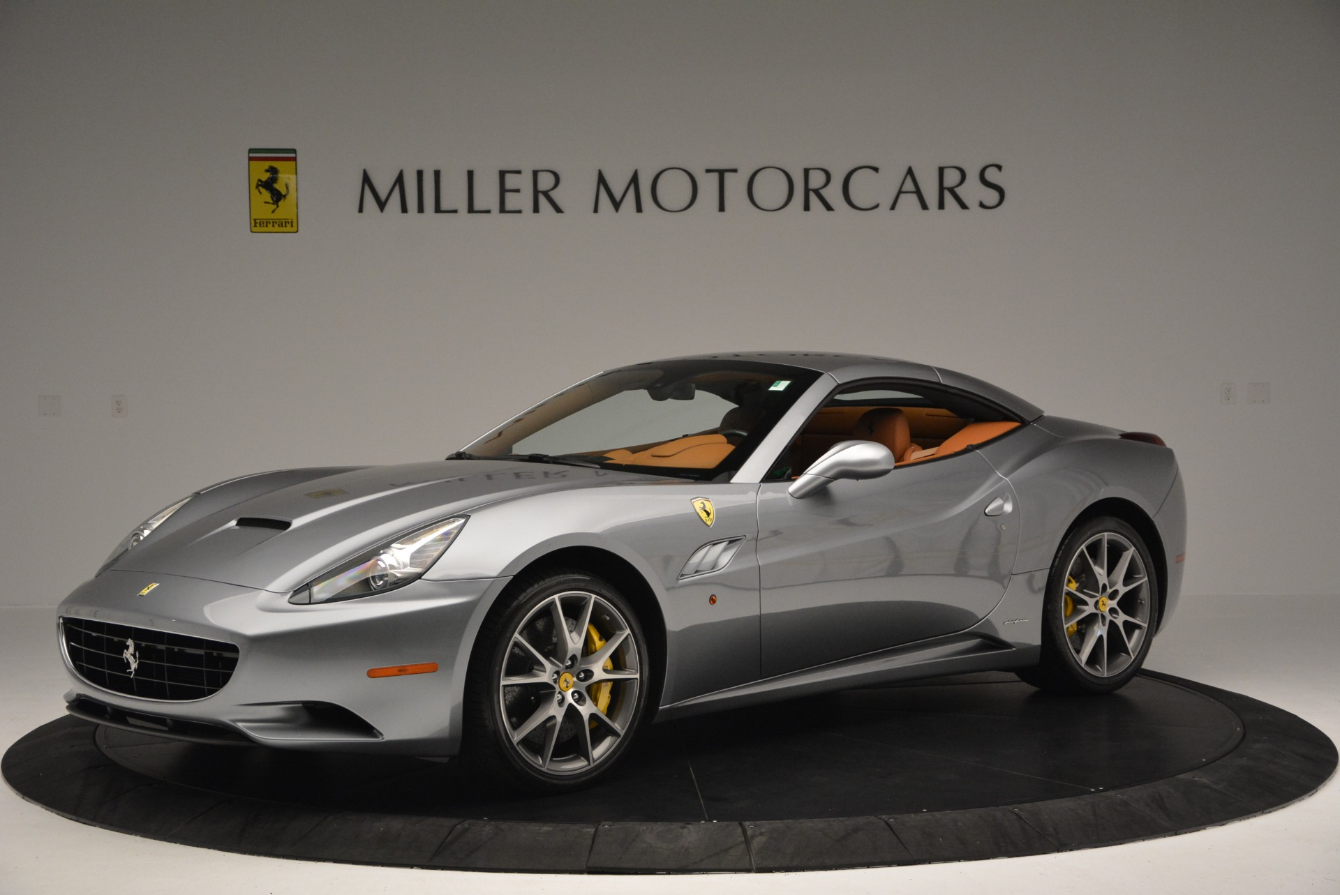 Used 2012 Ferrari California  For Sale In Westport, CT 2524_p14
