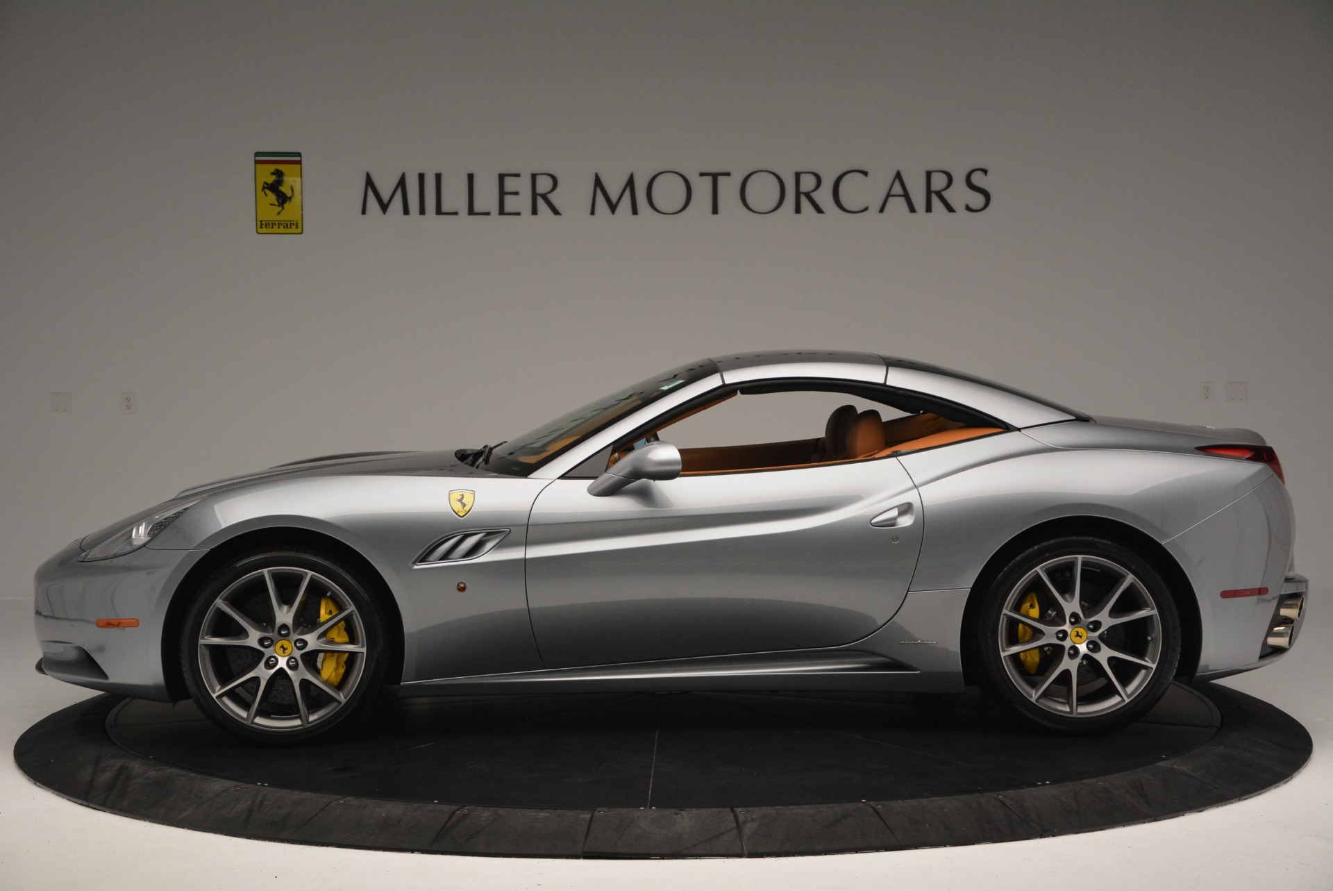 Used 2012 Ferrari California  For Sale In Westport, CT 2524_p15