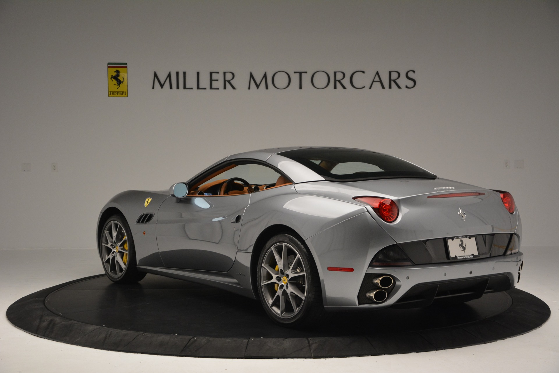 Used 2012 Ferrari California  For Sale In Westport, CT 2524_p17