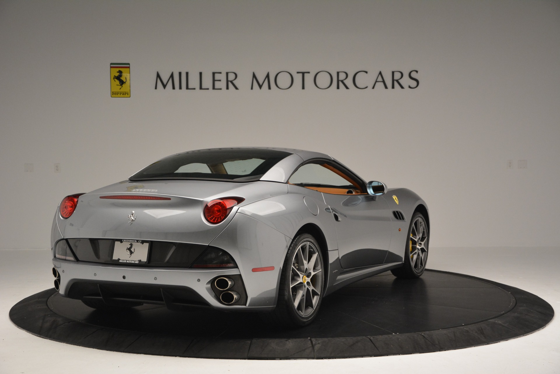 Used 2012 Ferrari California  For Sale In Westport, CT 2524_p19