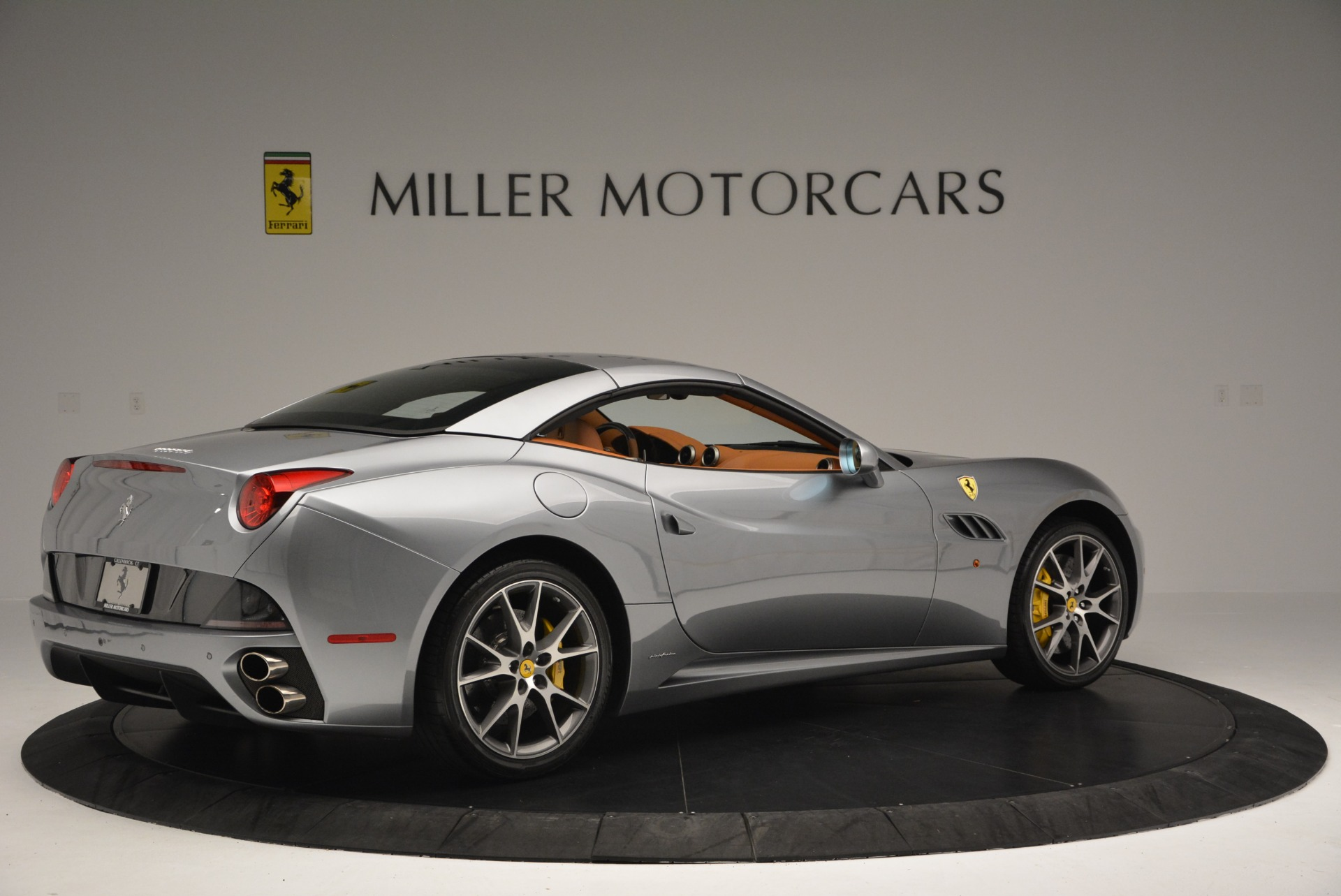 Used 2012 Ferrari California  For Sale In Westport, CT 2524_p20