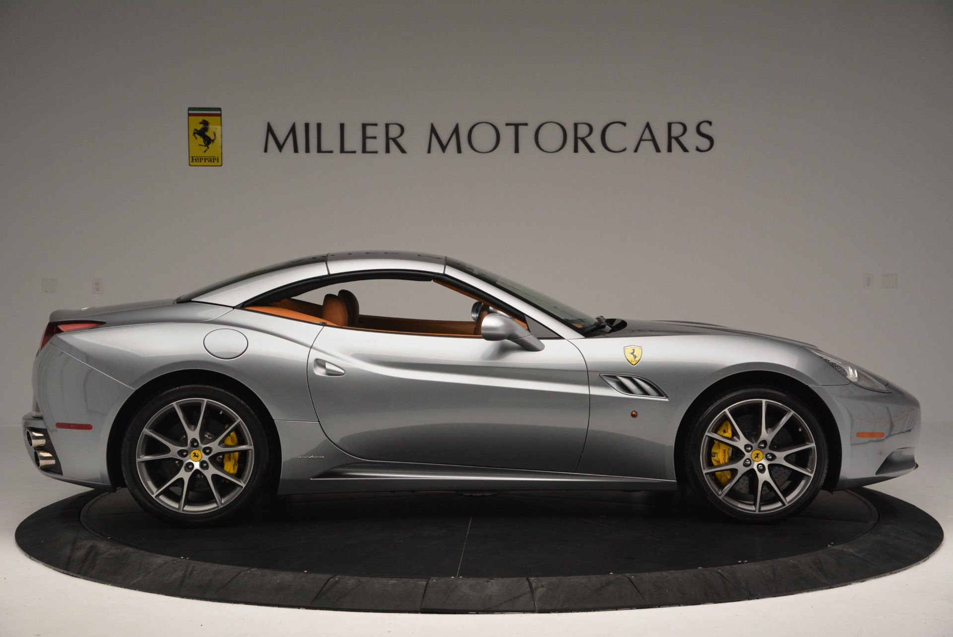 Used 2012 Ferrari California  For Sale In Westport, CT 2524_p21